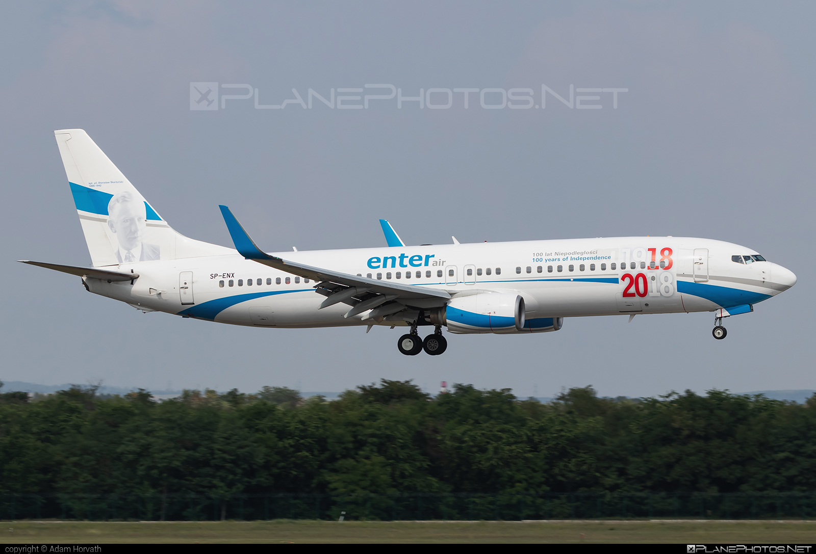 Boeing 737-800 - SP-ENX operated by Enter Air #b737 #b737nextgen #b737ng #boeing #boeing737