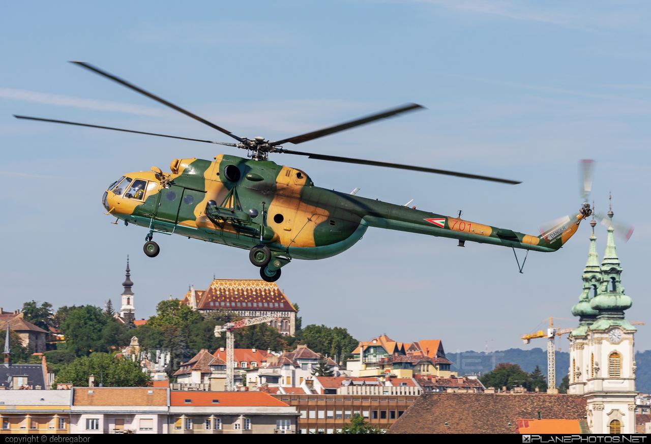 Mil Mi-17 - 701 operated by Magyar Légierő (Hungarian Air Force) #hungarianairforce #magyarlegiero #mi17 #mil #mil17 #milhelicopters