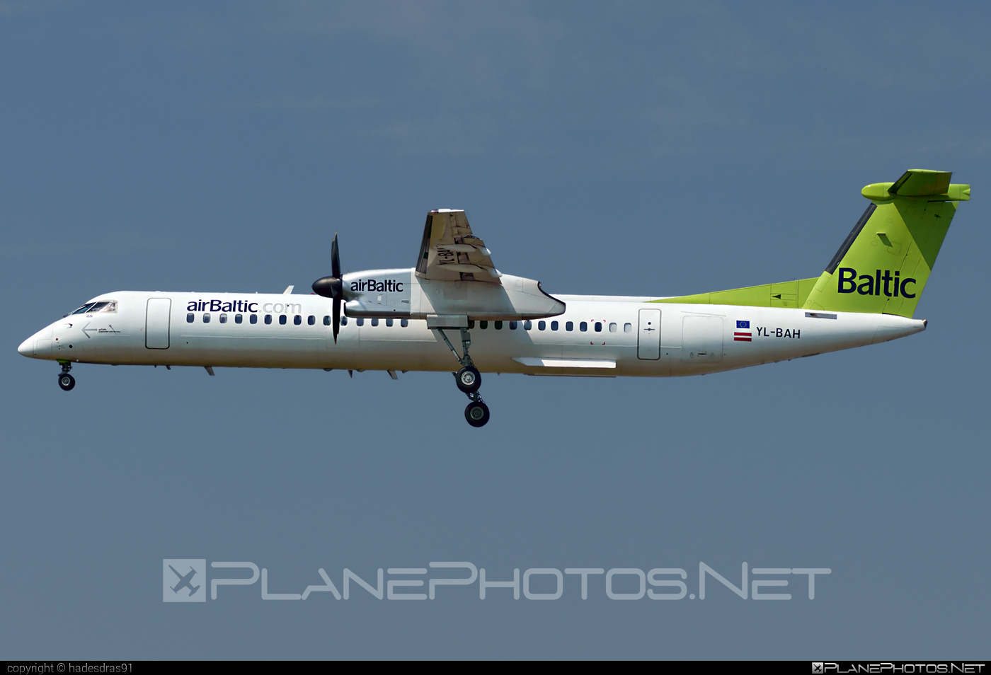 Bombardier DHC-8-Q402 Dash 8 - YL-BAH operated by Air Baltic #airbaltic #bombardier