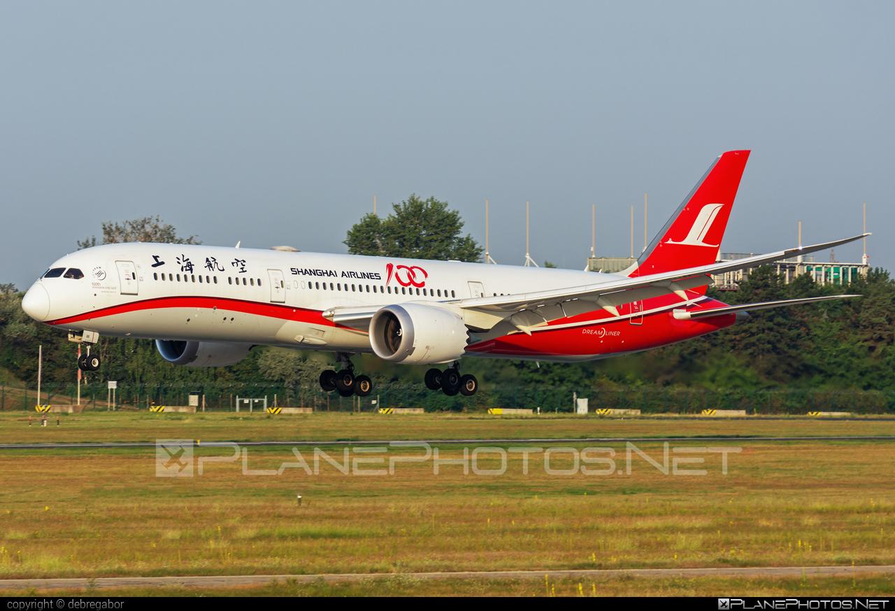 Boeing 787-9 Dreamliner - B-1111 operated by Shanghai Airlines #b787 #boeing #boeing787 #dreamliner