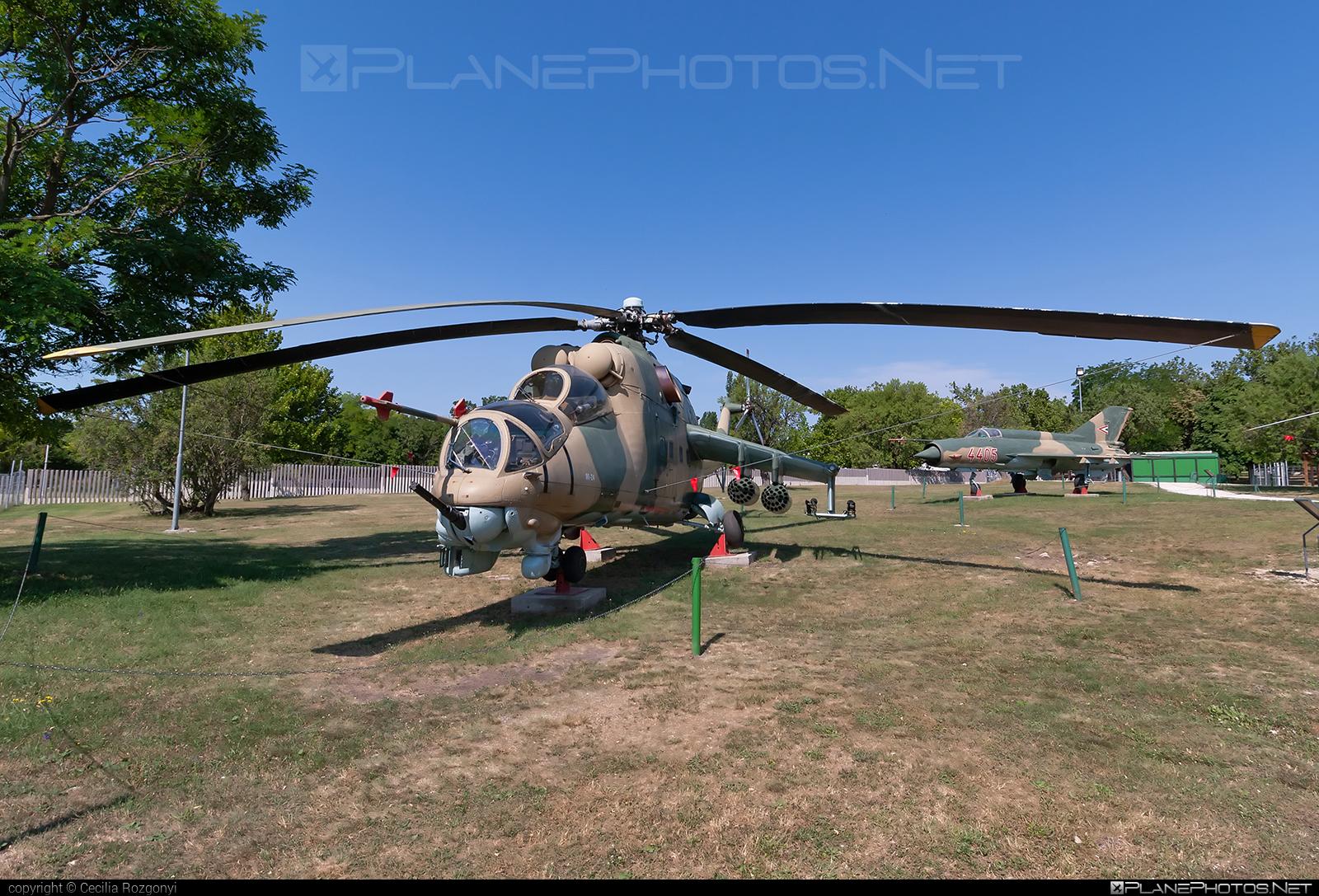 Mil Mi-24D - 168 operated by Magyar Légierő (Hungarian Air Force) #hungarianairforce #magyarlegiero #mi24 #mi24d #mil #mil24 #mil24d #milhelicopters