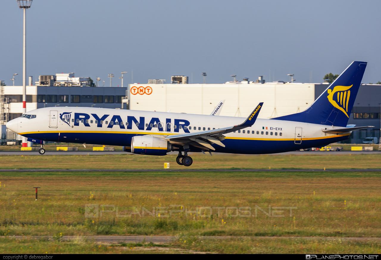 Boeing 737-800 - EI-EVX operated by Ryanair #b737 #b737nextgen #b737ng #boeing #boeing737 #ryanair