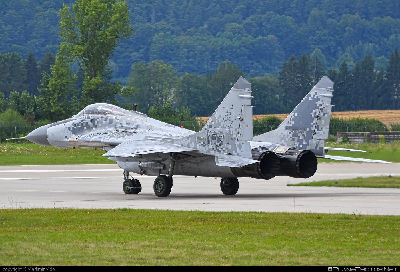 Mikoyan-Gurevich MiG-29AS - 0921 operated by Vzdušné sily OS SR (Slovak Air Force) #mig #mig29 #mig29as #mikoyangurevich #siaf2019 #slovakairforce #vzdusnesilyossr