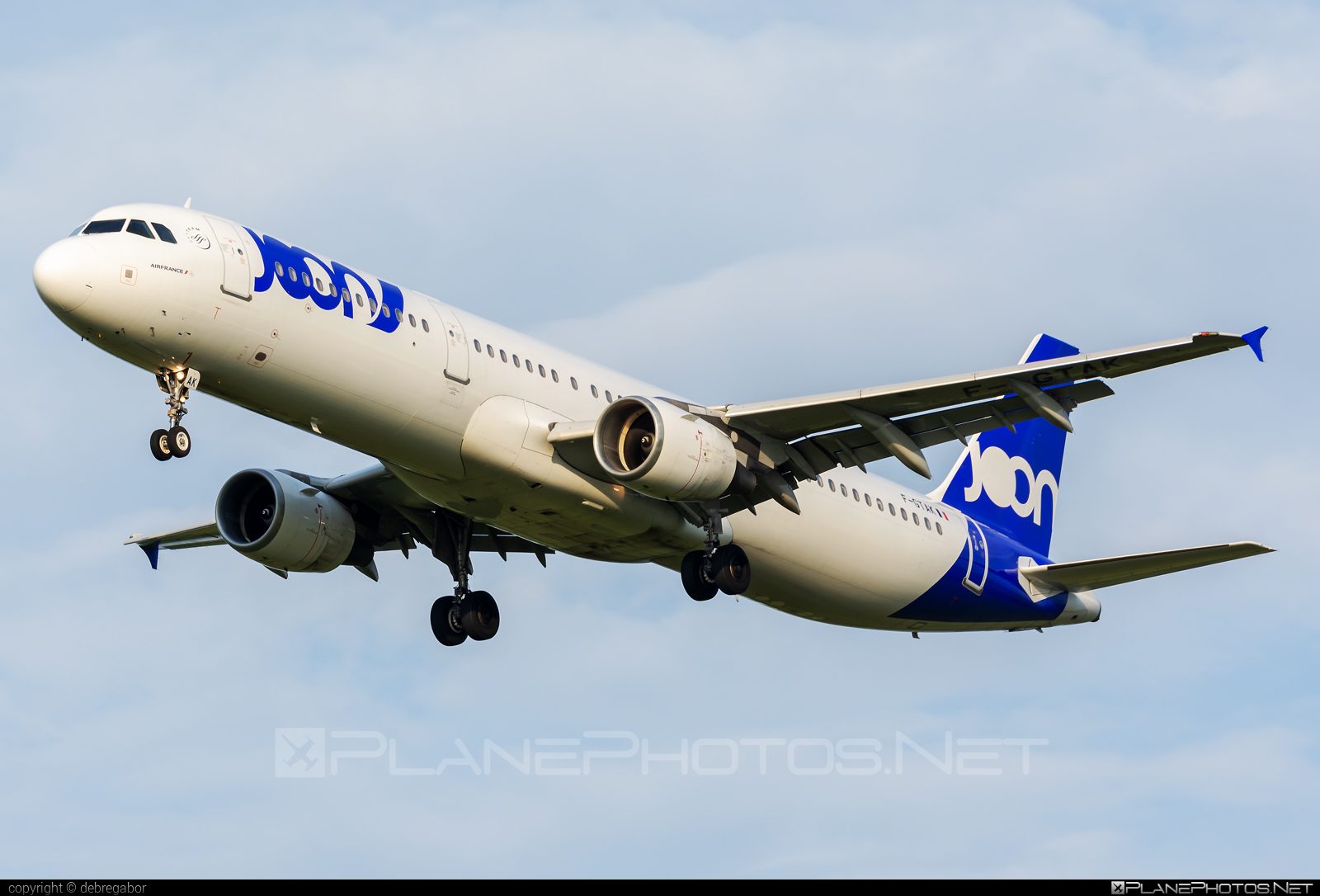 Airbus A321-211 - F-GTAK operated by Joon #a320family #a321 #airbus #airbus321 #joon