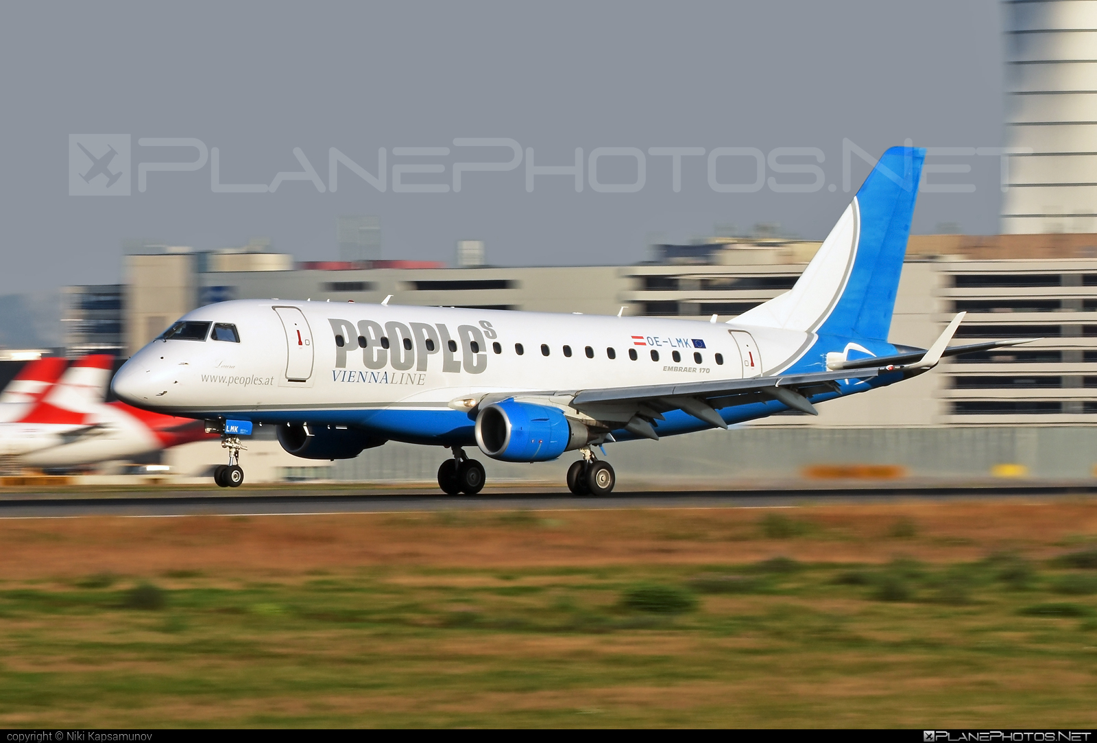 Embraer 170-100LR - OE-LMK operated by People`s Viennaline #embraer
