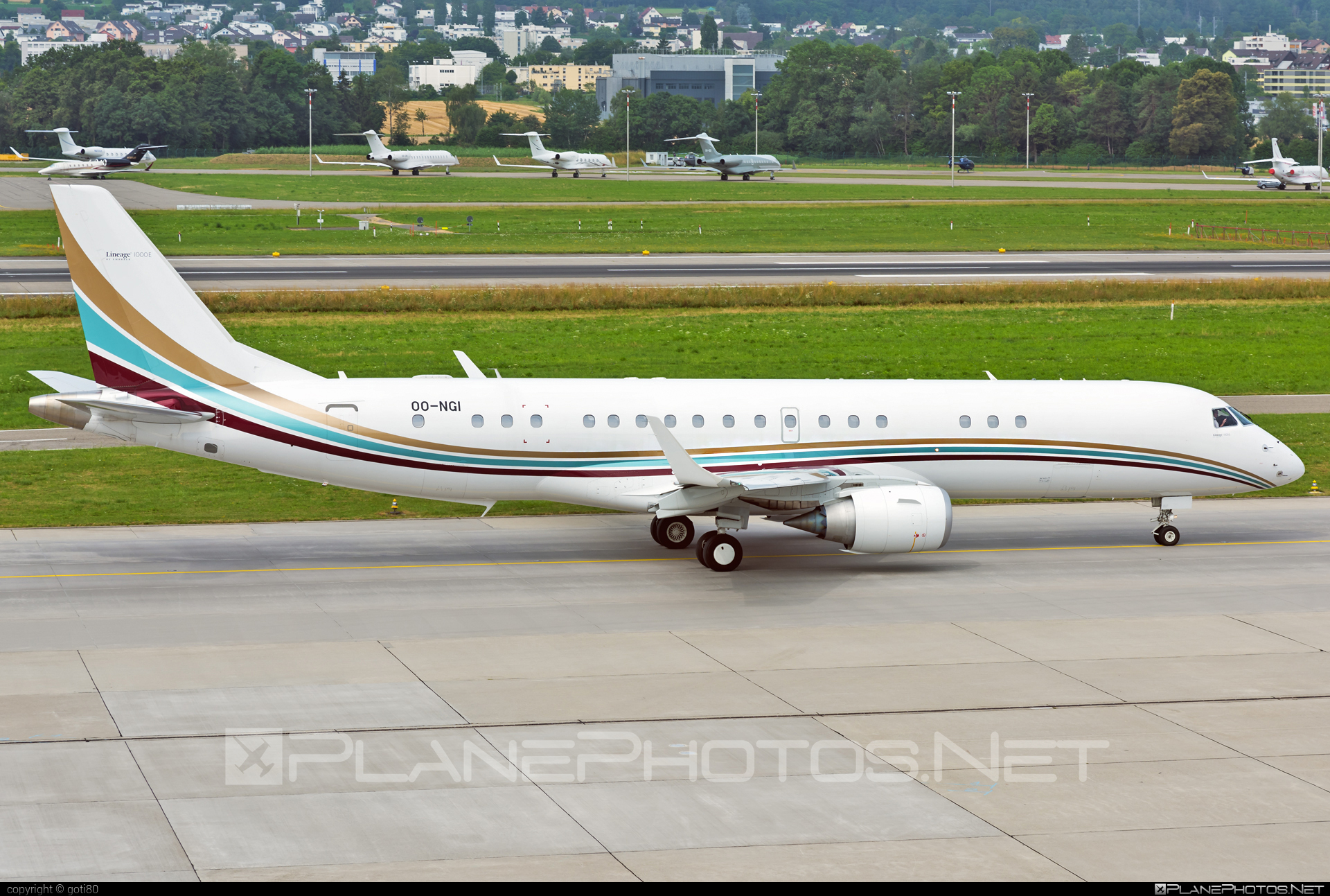 Embraer Lineage 1000 (ERJ-190-100ECJ) - OO-NGI operated by Flying Service #embraer #embraerlineage #embraerlineage1000 #lineage1000