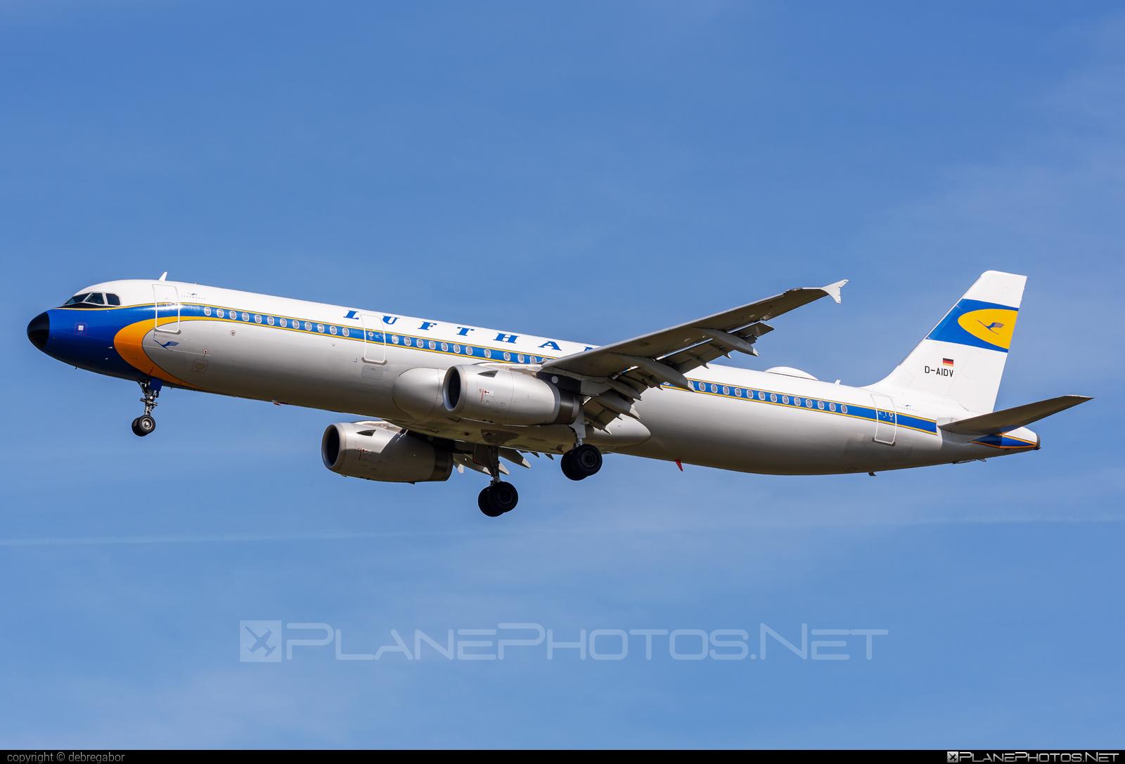 Airbus A321-231 - D-AIDV operated by Lufthansa #a320family #a321 #airbus #airbus321 #lufthansa