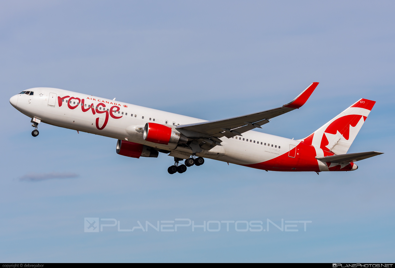 Boeing 767-300ER - C-FMLZ operated by Air Canada Rouge #aircanadarouge #b767 #b767er #boeing #boeing767