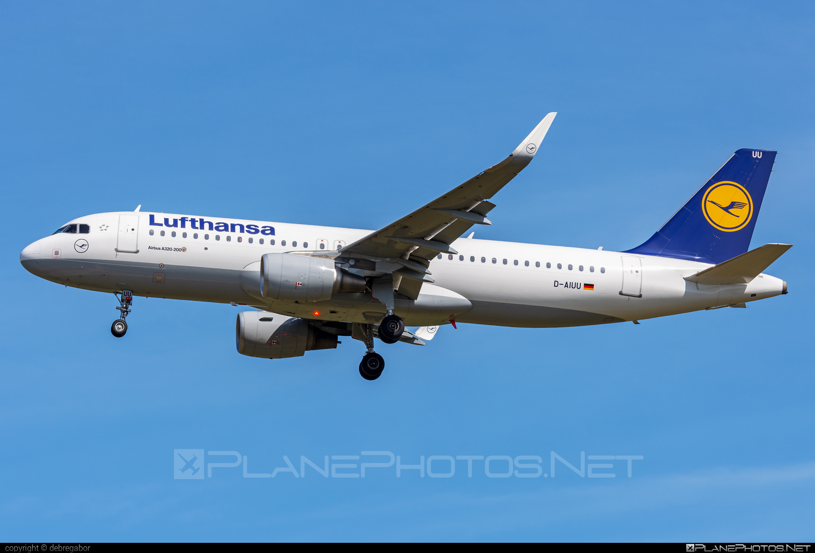 Airbus A320-214 - D-AIUU operated by Lufthansa #a320 #a320family #airbus #airbus320 #lufthansa