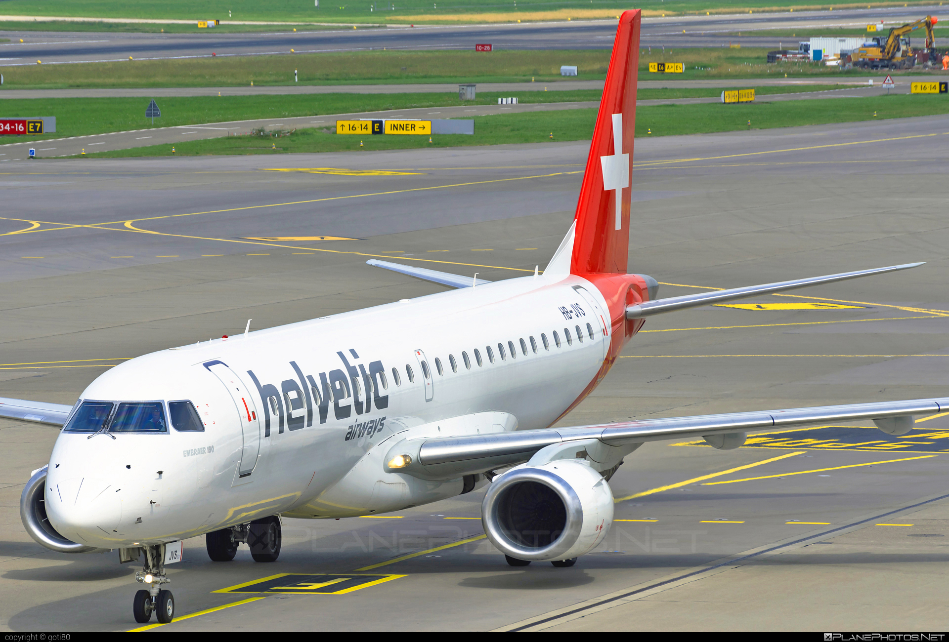 Embraer 190-100LR - HB-JVS operated by Helvetic Airways #e190 #embraer #embraer190 #embraer190lr
