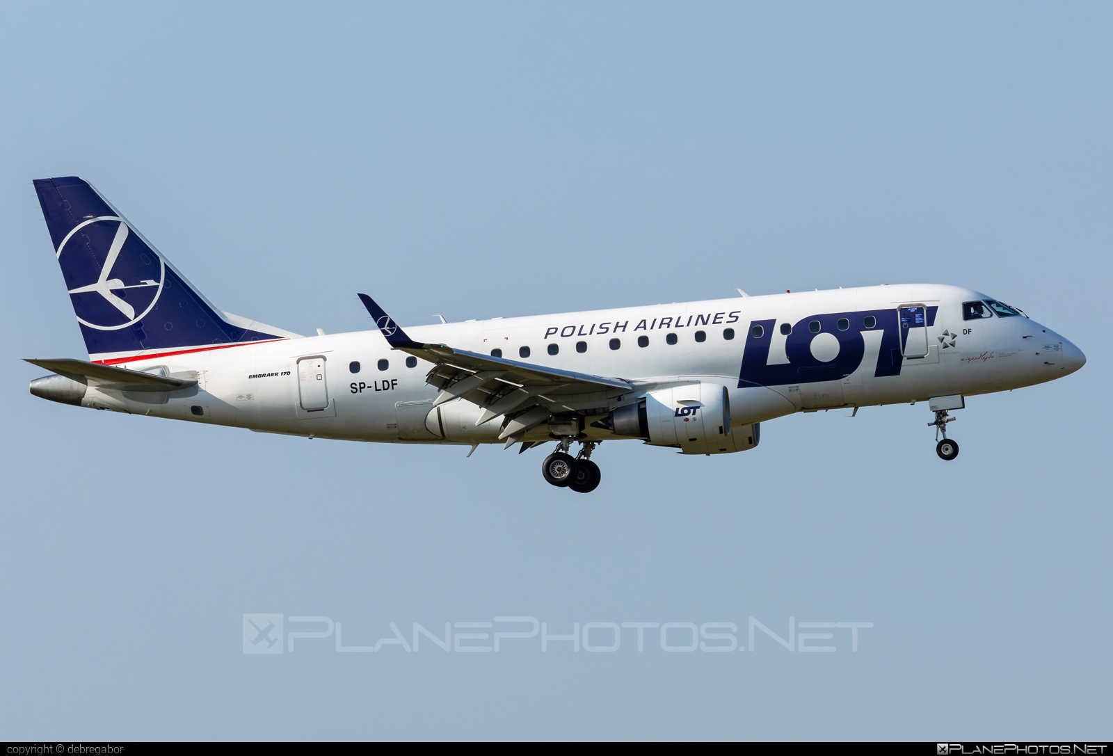 Embraer E170LR (ERJ-170-100LR) - SP-LDF operated by LOT Polish Airlines #e170 #embraer #embraer170 #embraer170lr #erj170 #erj170100 #erj170100lr #erj170lr #lot #lotpolishairlines