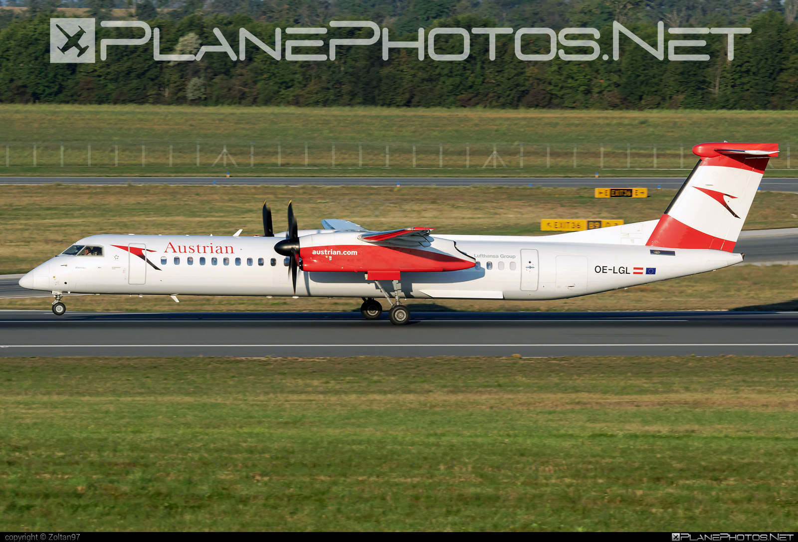 Bombardier DHC-8-Q402 Dash 8 - OE-LGL operated by Austrian Airlines #bombardier