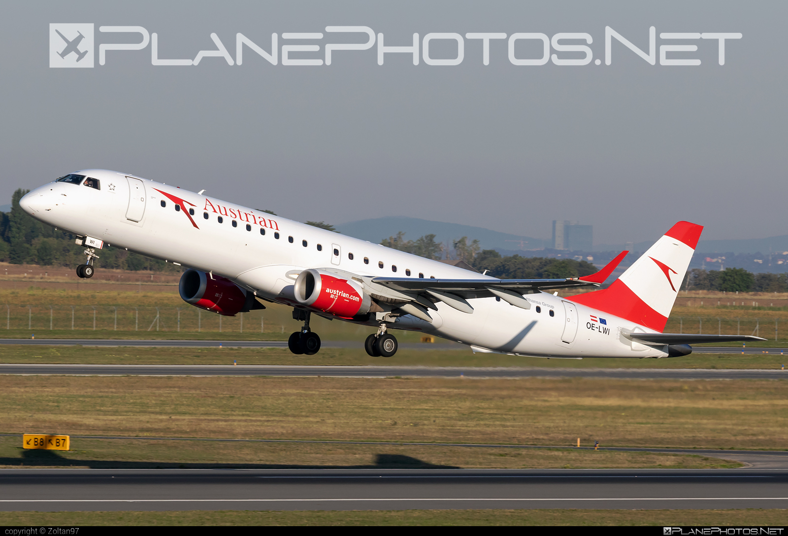Embraer E195LR (ERJ-190-200LR) - OE-LWI operated by Austrian Airlines #e190 #e190200 #e190200lr #e195lr #embraer #embraer190200lr #embraer195 #embraer195lr