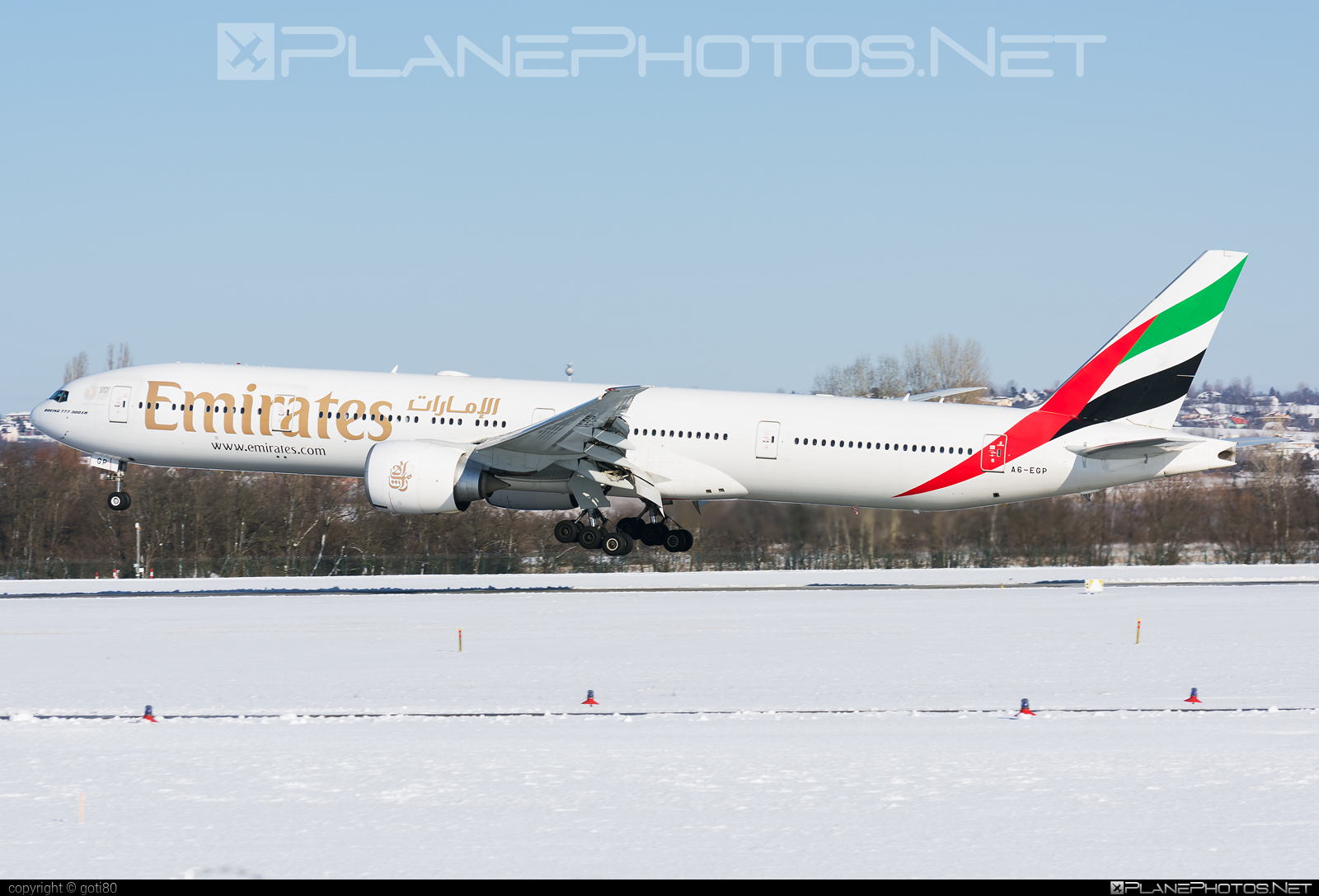 Boeing 777-300ER - A6-EGP operated by Emirates #b777 #b777er #boeing #boeing777 #emirates #tripleseven