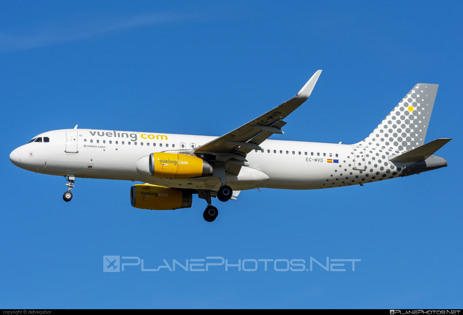 Airbus A320-232 - EC-MVD operated by Vueling Airlines #a320 #a320family #airbus #airbus320 #vueling #vuelingairlines