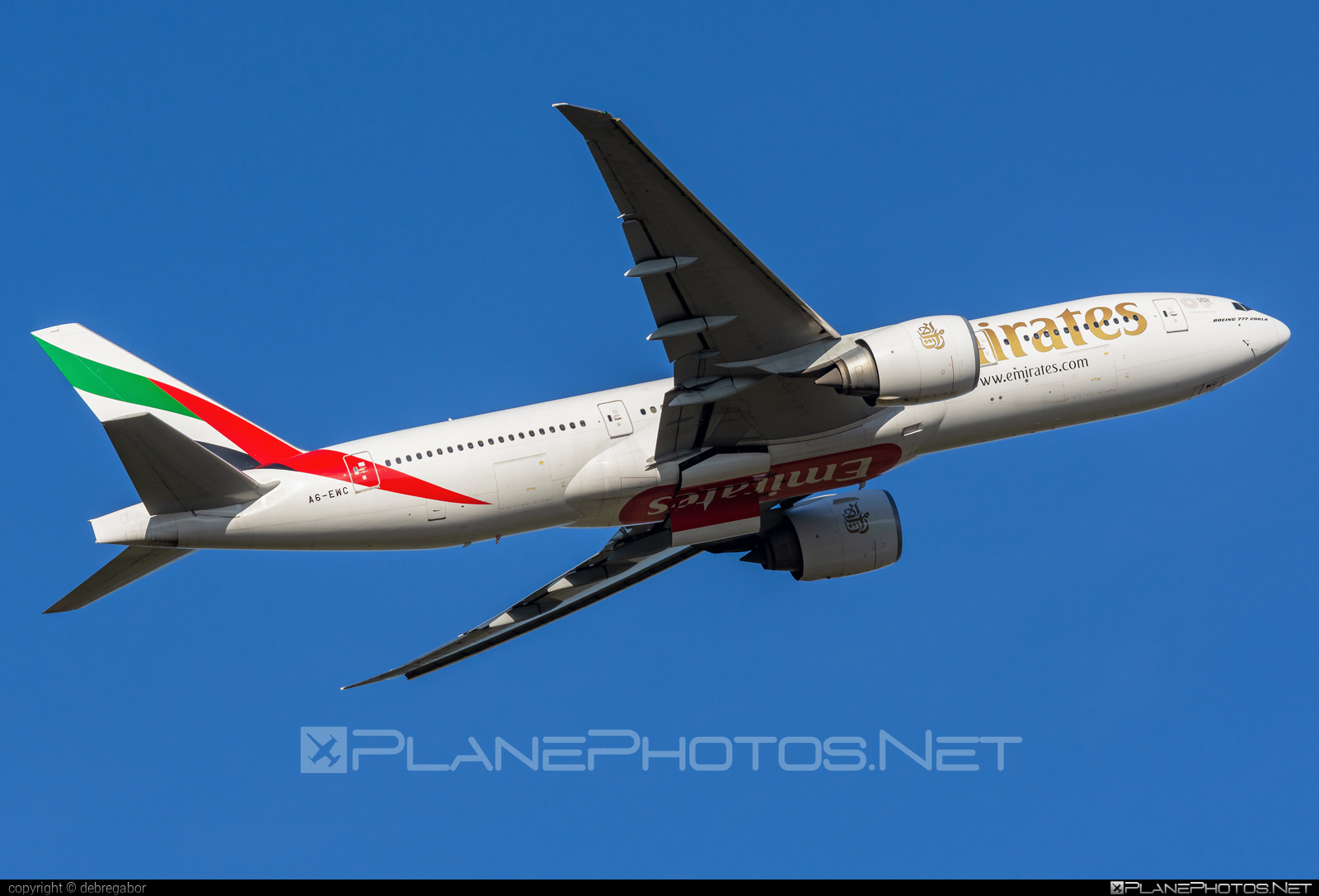 Boeing 777-200LR - A6-EWC operated by Emirates #b777 #b777lr #boeing #boeing777 #emirates #tripleseven