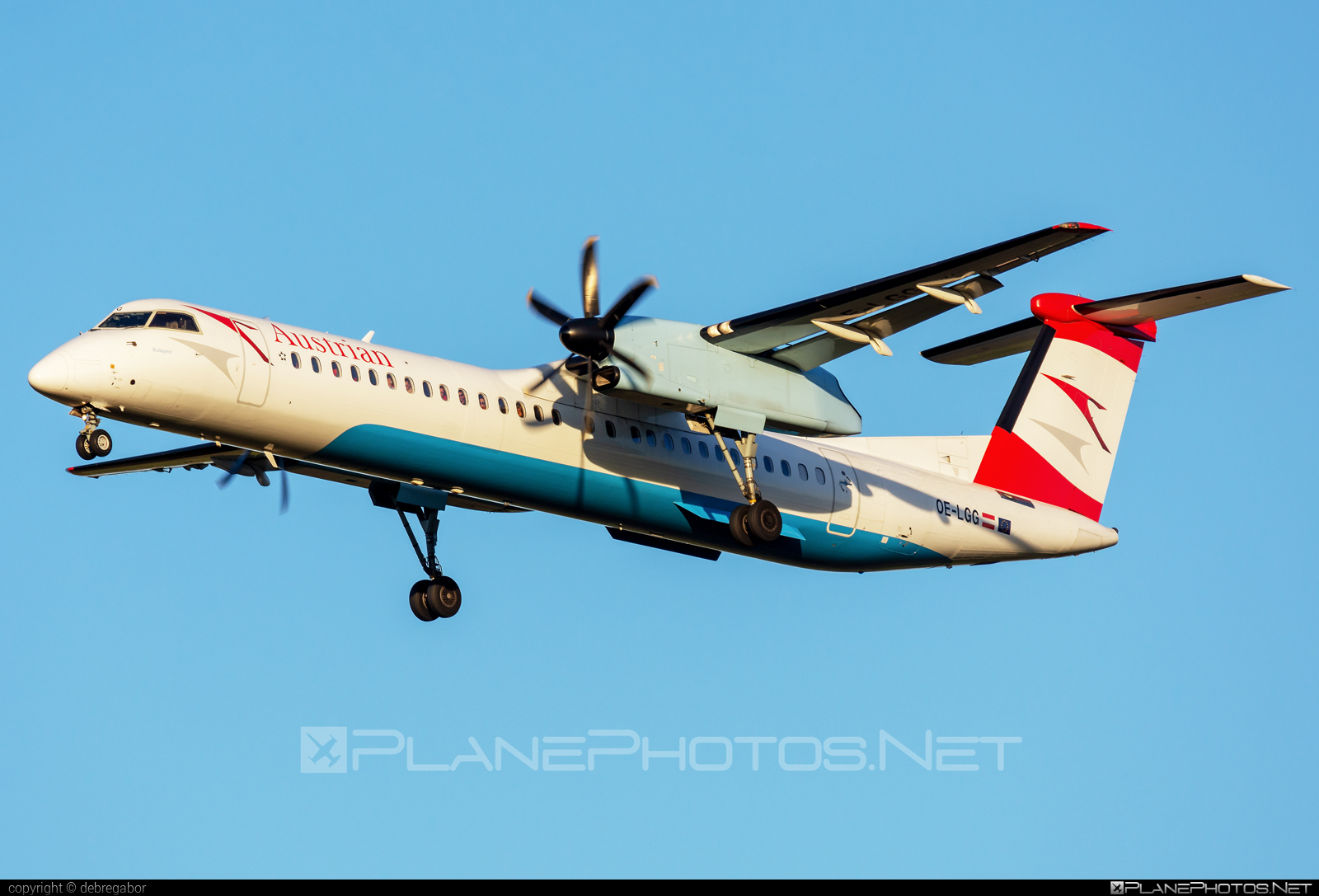 Bombardier DHC-8-Q402 Dash 8 - OE-LGG operated by Austrian Airlines #bombardier
