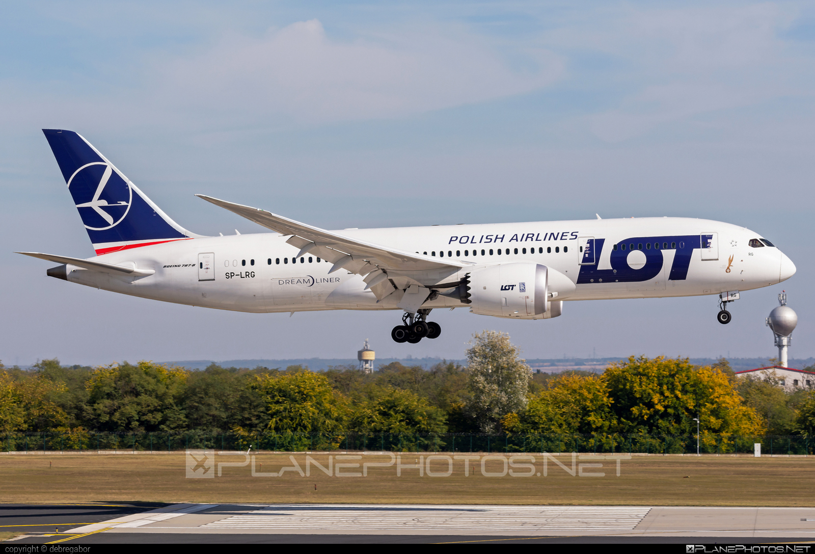 Boeing 787-8 Dreamliner - SP-LRG operated by LOT Polish Airlines #b787 #boeing #boeing787 #dreamliner #lot #lotpolishairlines