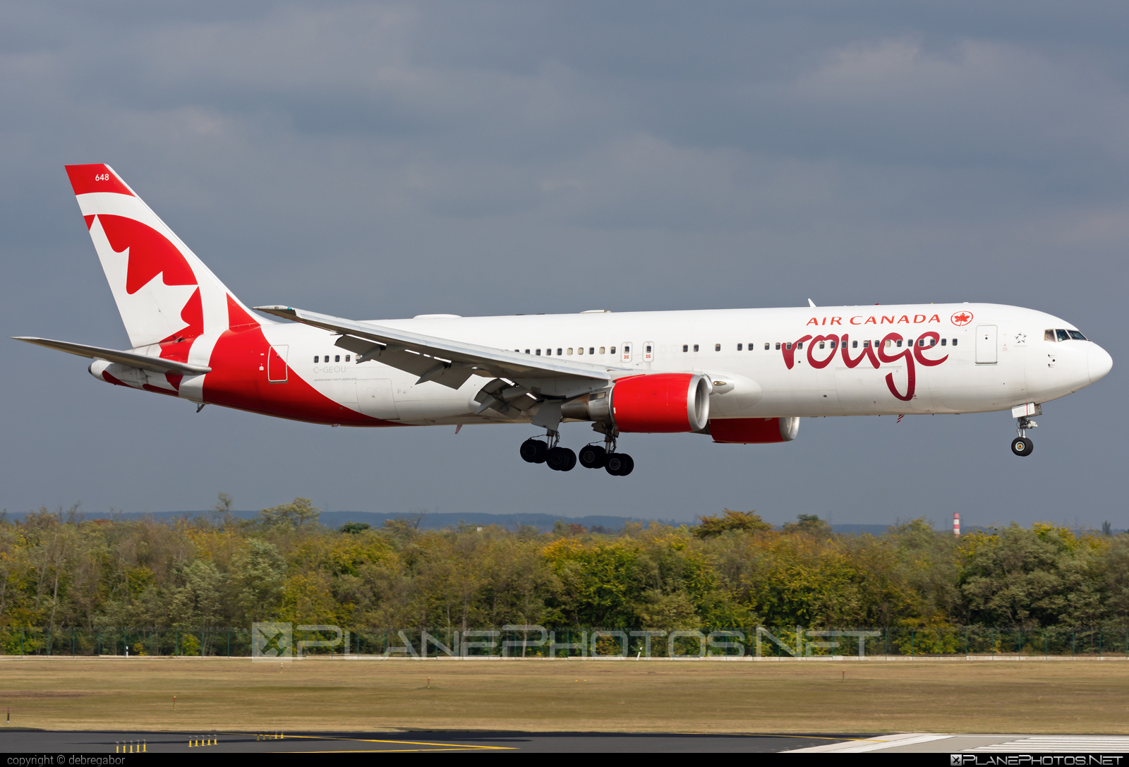 Boeing 767-300ER - C-GEOU operated by Air Canada Rouge #aircanadarouge #b767 #b767er #boeing #boeing767