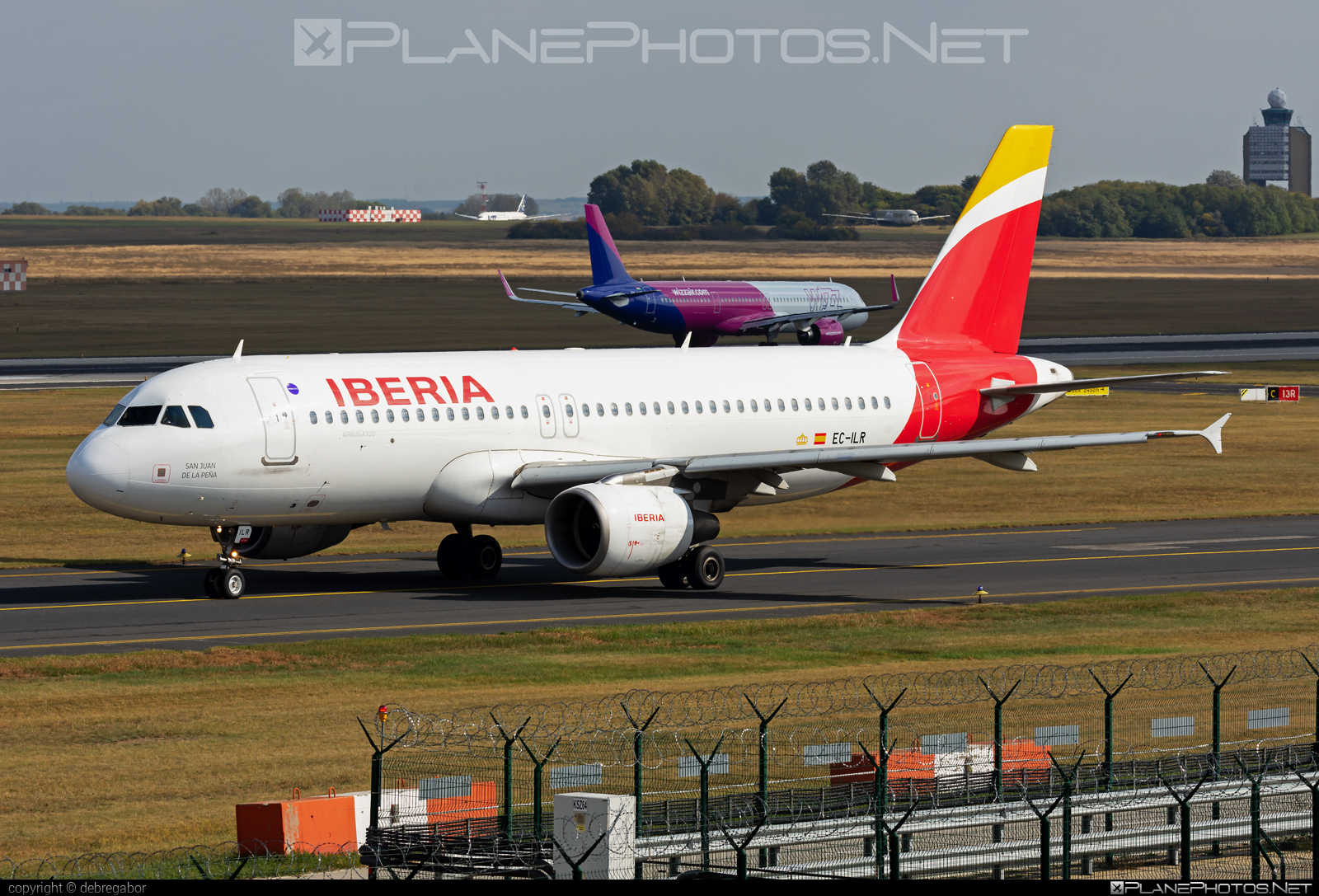 Airbus A320-214 - EC-ILR operated by Iberia #a320 #a320family #airbus #airbus320 #iberia
