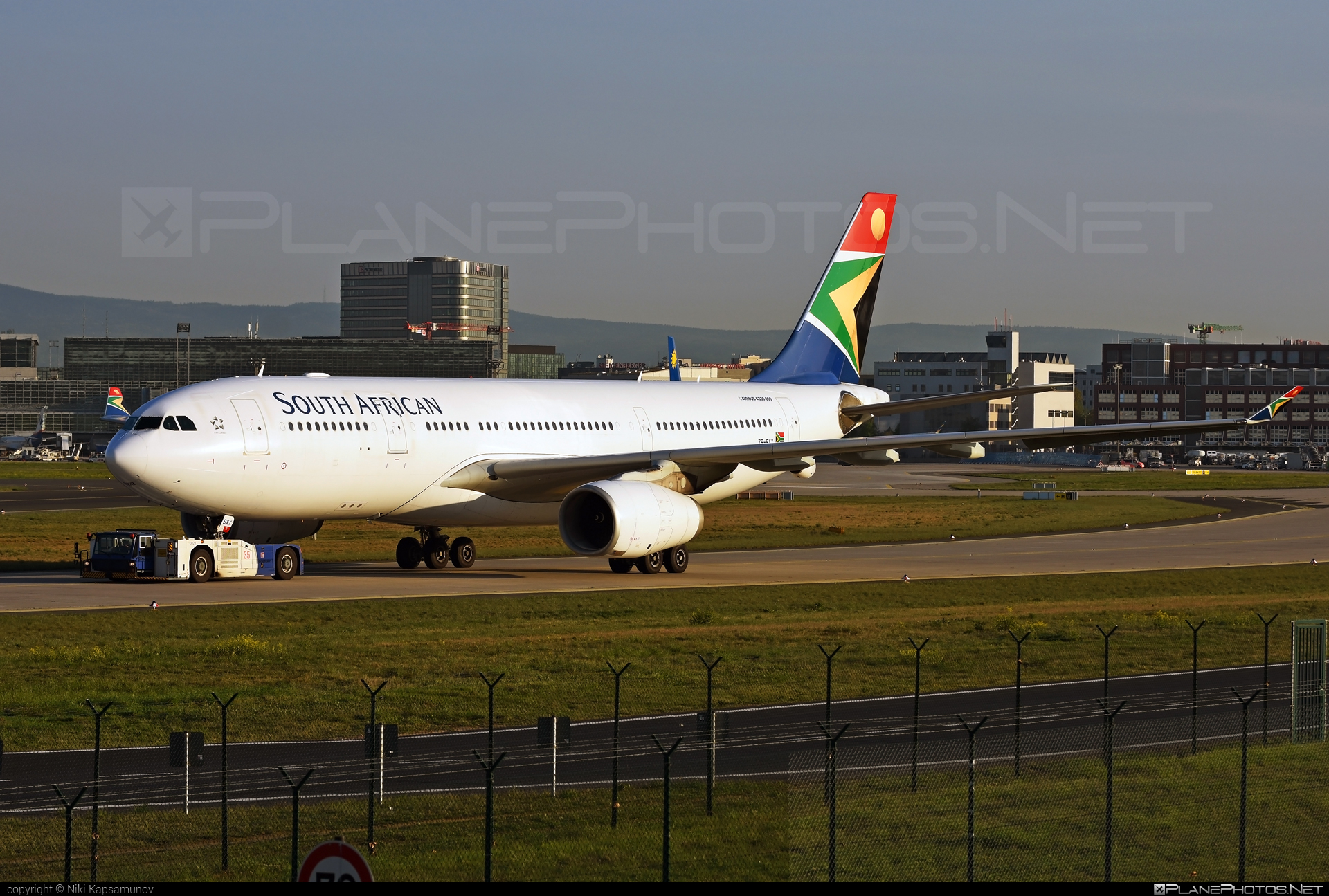 Airbus A330-243 - ZS-SXY operated by South African Airways #a330 #a330family #airbus #airbus330