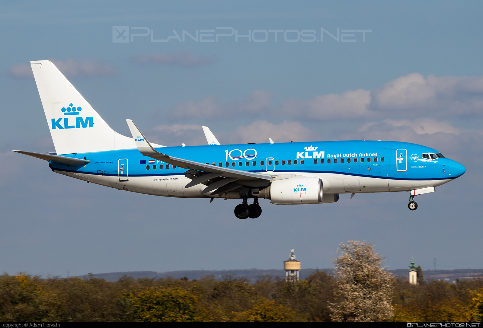 Boeing 737-700 - PH-BGI operated by KLM Royal Dutch Airlines #b737 #b737nextgen #b737ng #boeing #boeing737 #klm #klmroyaldutchairlines #royaldutchairlines