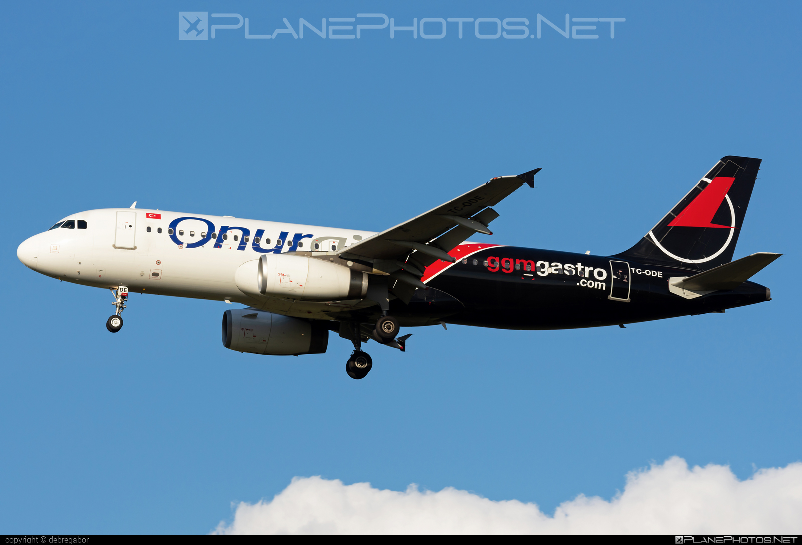 Airbus A320-232 - TC-ODE operated by Onur Air #a320 #a320family #airbus #airbus320