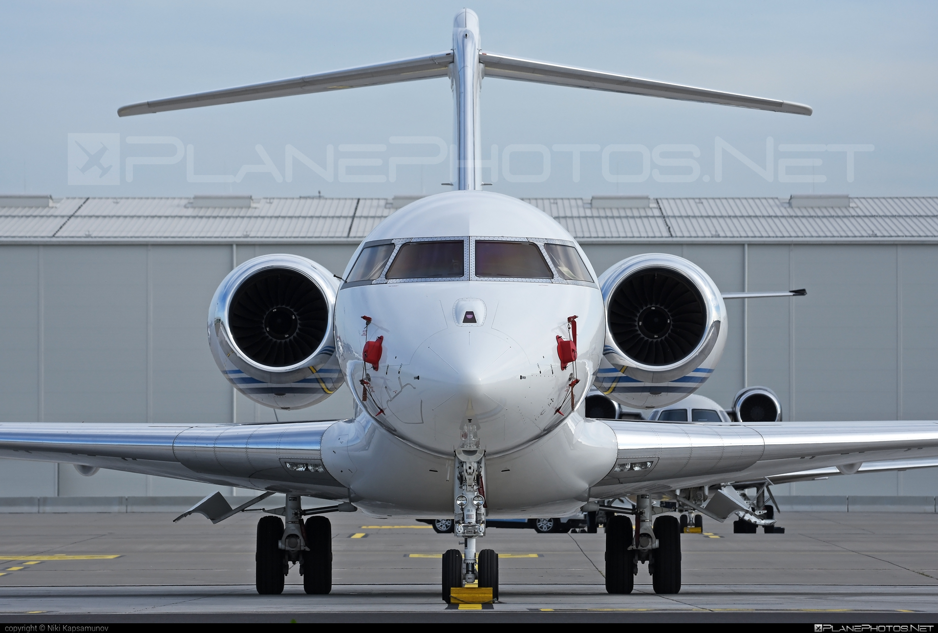 Bombardier Global 6000 (BD-700-1A10) - M-ARGO operated by Private operator #bd7001a10 #bombardier #bombardierglobal6000 #global6000