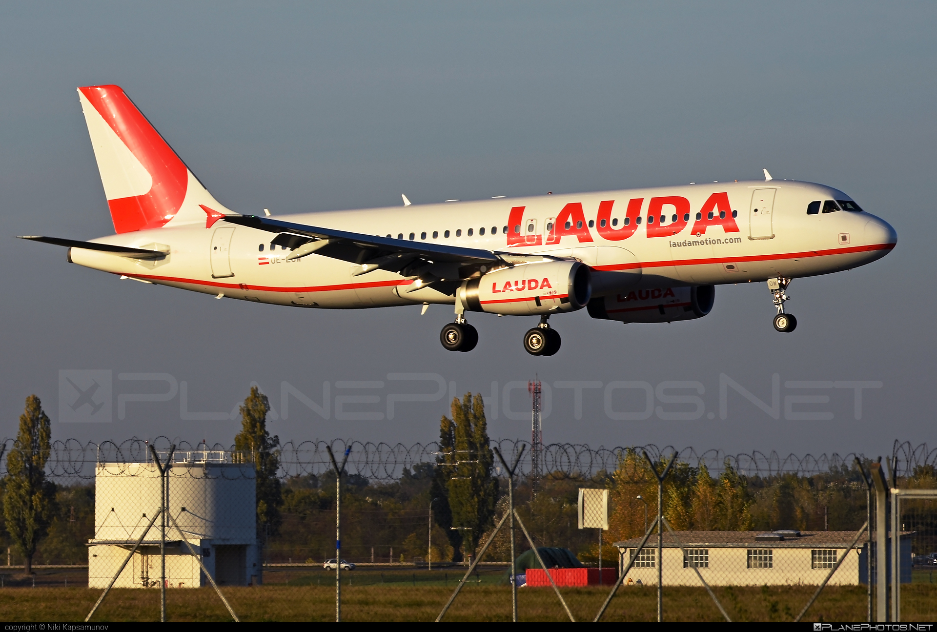 Airbus A320-233 - OE-LOW operated by LaudaMotion #a320 #a320family #airbus #airbus320 #laudamotion