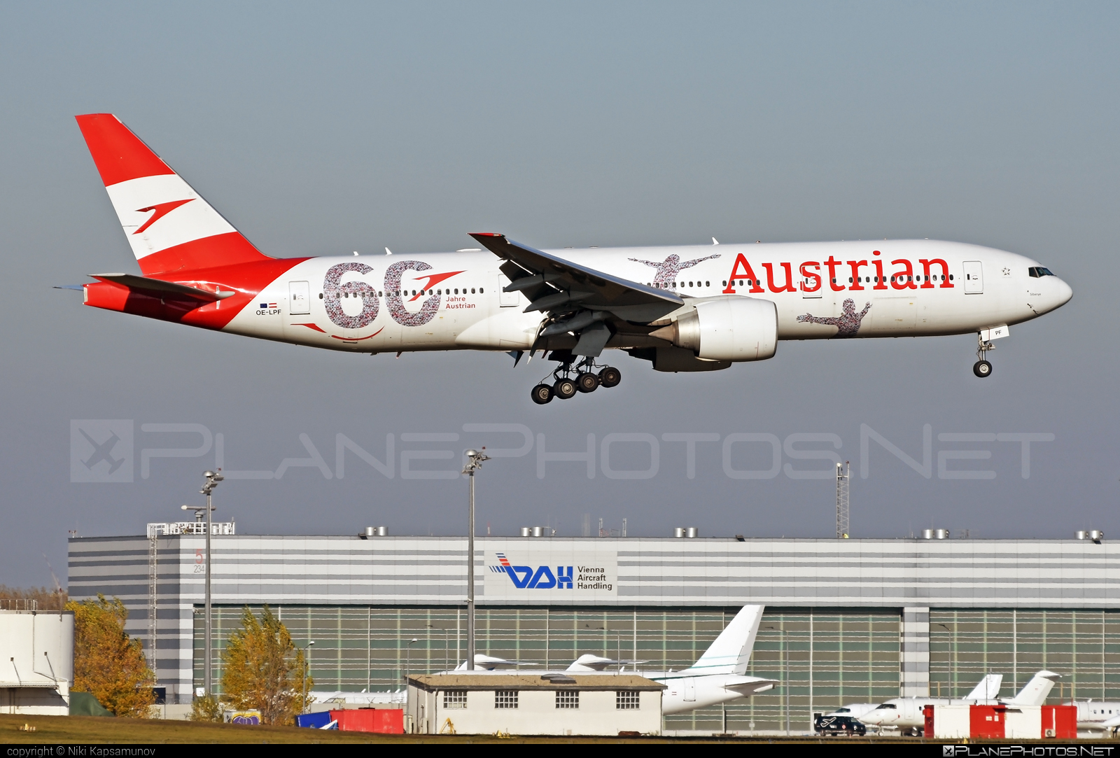 Boeing 777-200ER - OE-LPF operated by Austrian Airlines #b777 #b777er #boeing #boeing777 #tripleseven
