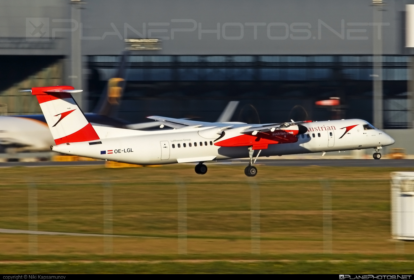 Bombardier DHC-8-Q402 Dash 8 - OE-LGL operated by Austrian Airlines #bombardier #dash8 #dhc8 #dhc8q402