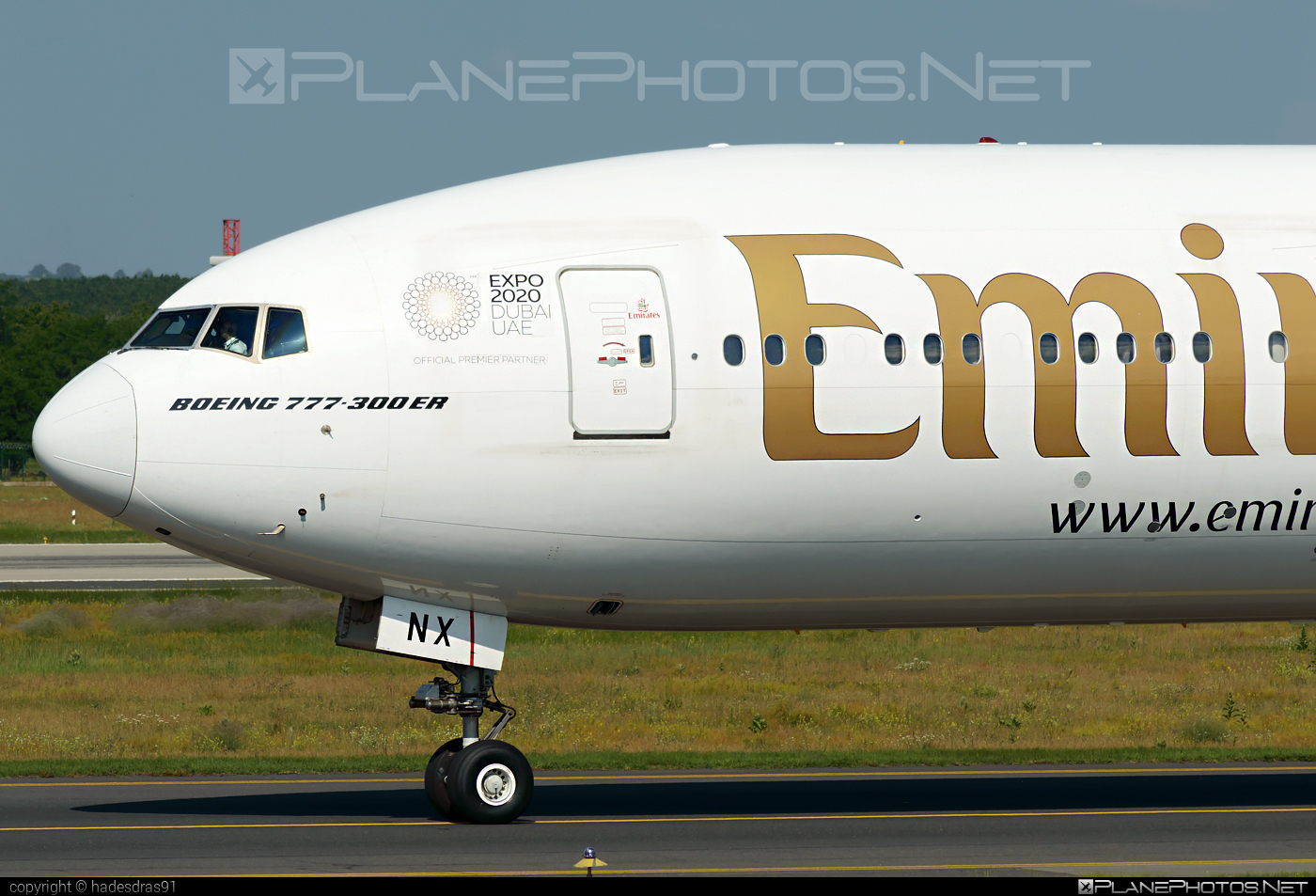 Boeing 777-300ER - A6-ENX operated by Emirates #b777 #b777er #boeing #boeing777 #emirates #tripleseven