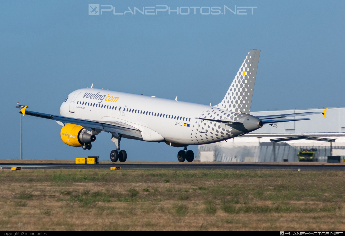 Airbus A320-214 - EC-ILQ operated by Vueling Airlines #a320 #a320family #airbus #airbus320 #vueling #vuelingairlines