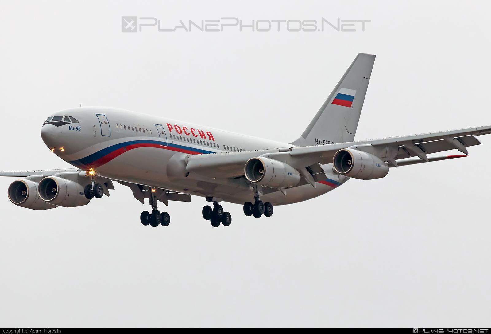 Ilyushin Il-96-300 - RA-96018 operated by Russia - Department of the Defense #il96 #il96300 #ilyushin