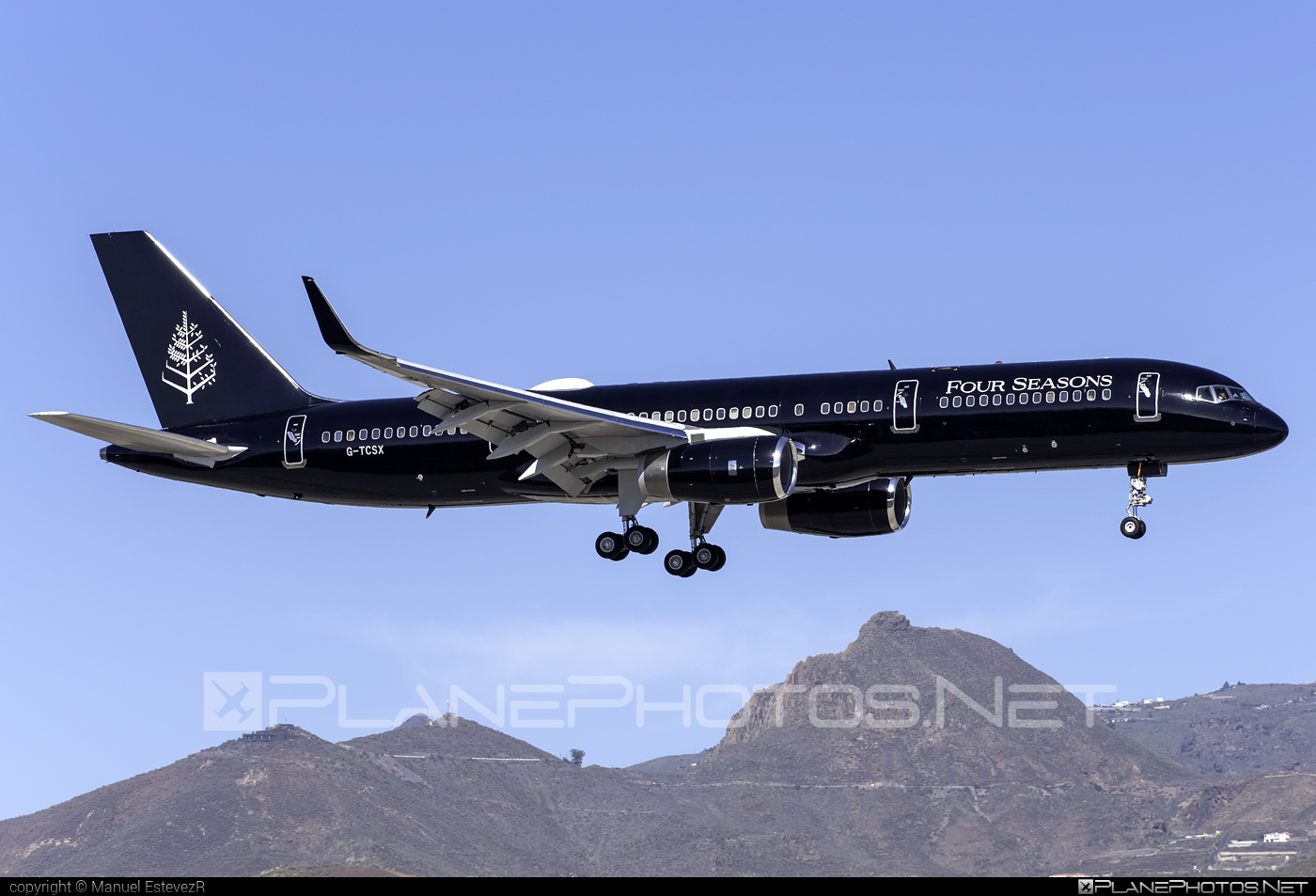 Boeing 757-200 - G-TCSX operated by TAG Aviation #b757 #boeing #boeing757