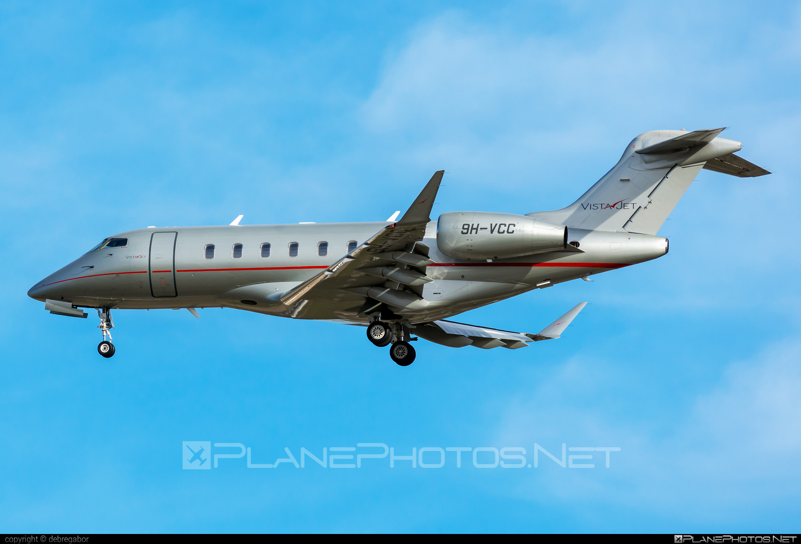 Bombardier Challenger 350 (BD-100-1A10) - 9H-VCC operated by VistaJet #bd1001a10 #bombardier #challenger350 #vistajet