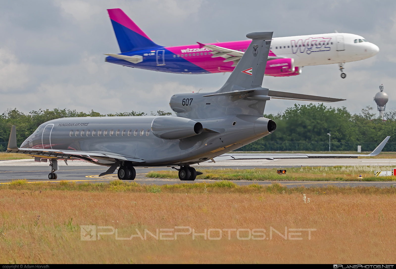 Dassault Falcon 7X - 607 operated by Magyar Légierő (Hungarian Air Force) #dassault #dassaultfalcon #dassaultfalcon7x #falcon7x #hungarianairforce #magyarlegiero
