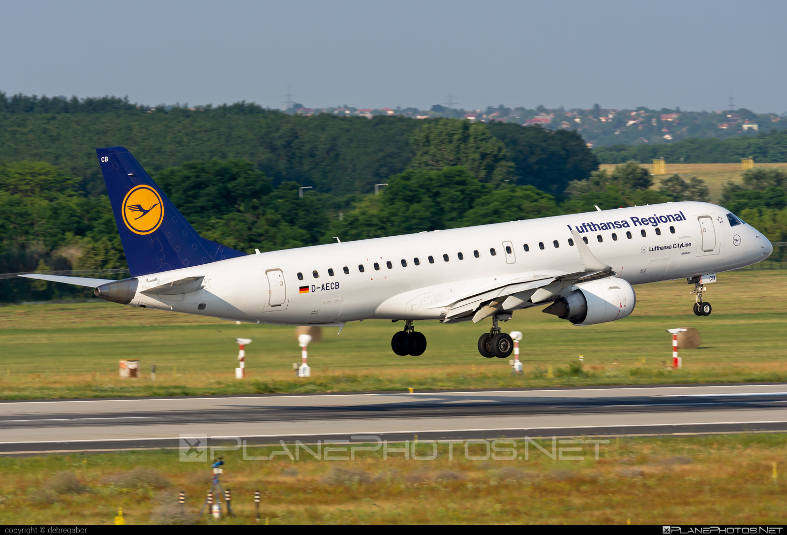 Embraer E190LR (ERJ-190-100LR) - D-AECB operated by Lufthansa CityLine #e190 #e190100 #e190100lr #e190lr #embraer #embraer190 #embraer190100lr #embraer190lr #lufthansa #lufthansacityline