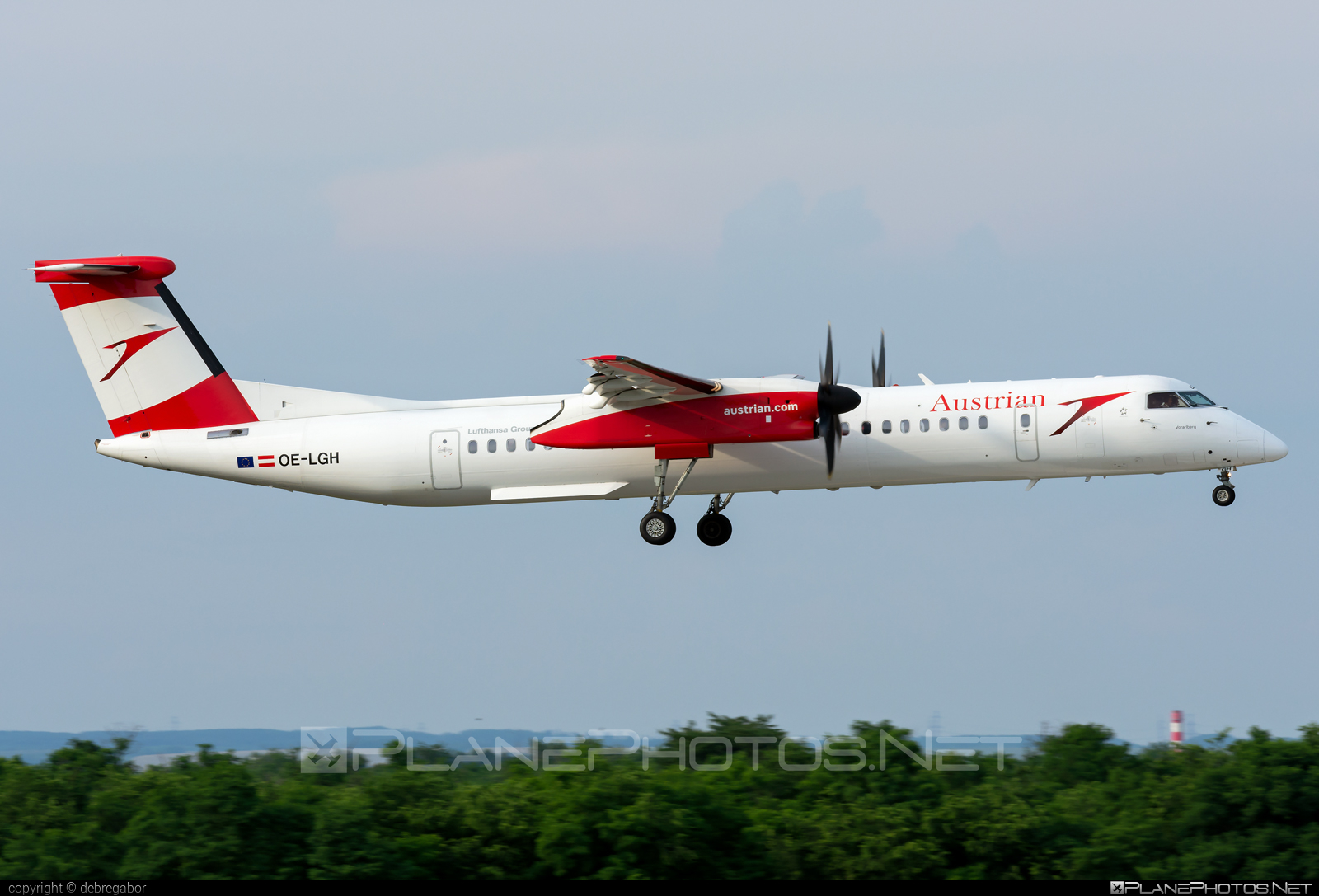 Bombardier DHC-8-Q402 Dash 8 - OE-LGH operated by Austrian Airlines #bombardier