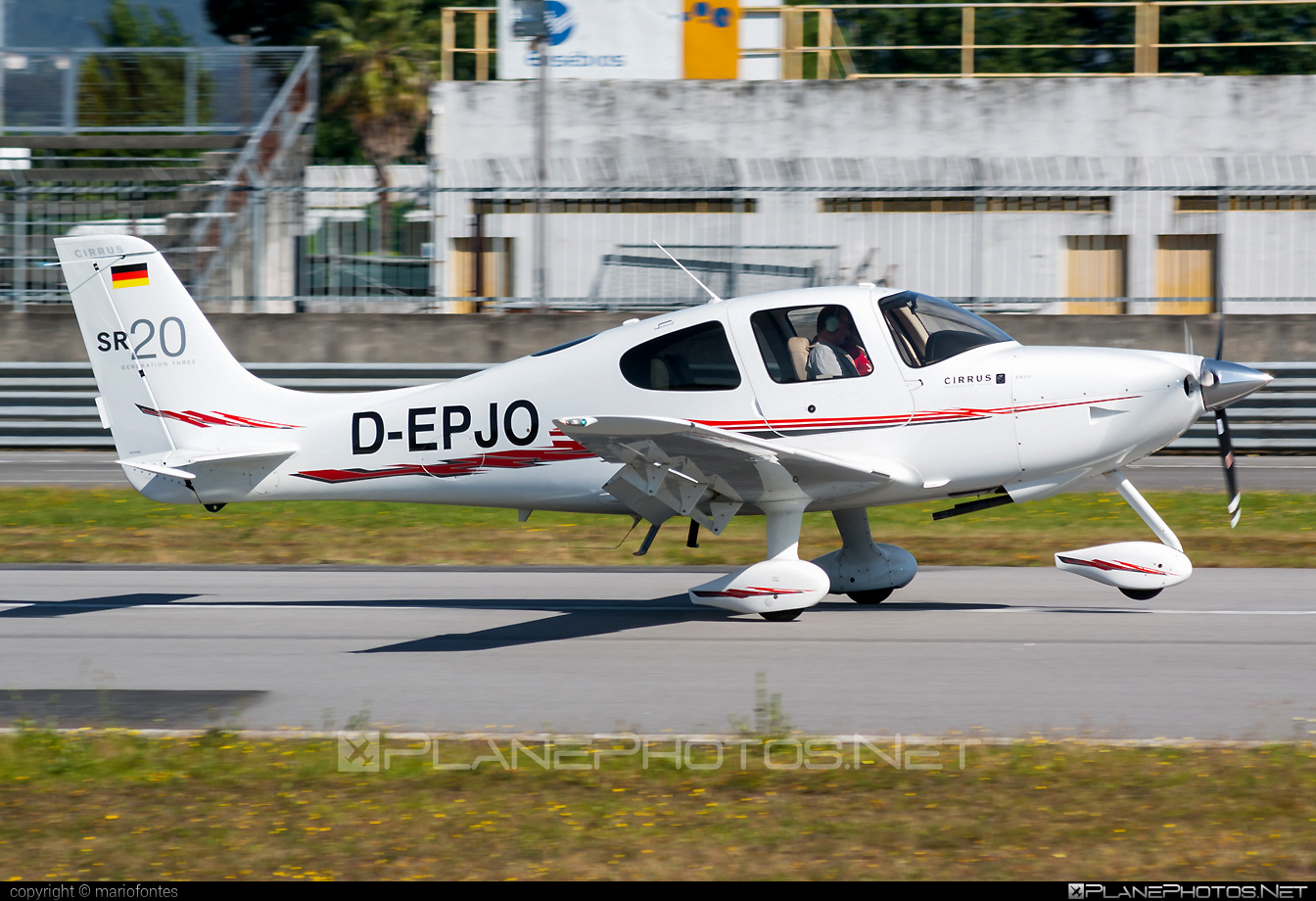Cirrus SR20 G3 - D-EPJO operated by Private operator #cirrus