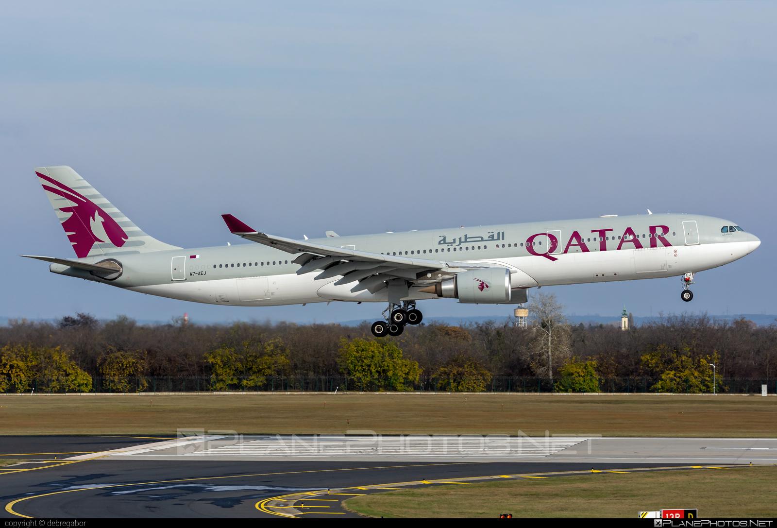Airbus A330-302 - A7-AEJ operated by Qatar Airways #a330 #a330family #airbus #airbus330 #qatarairways