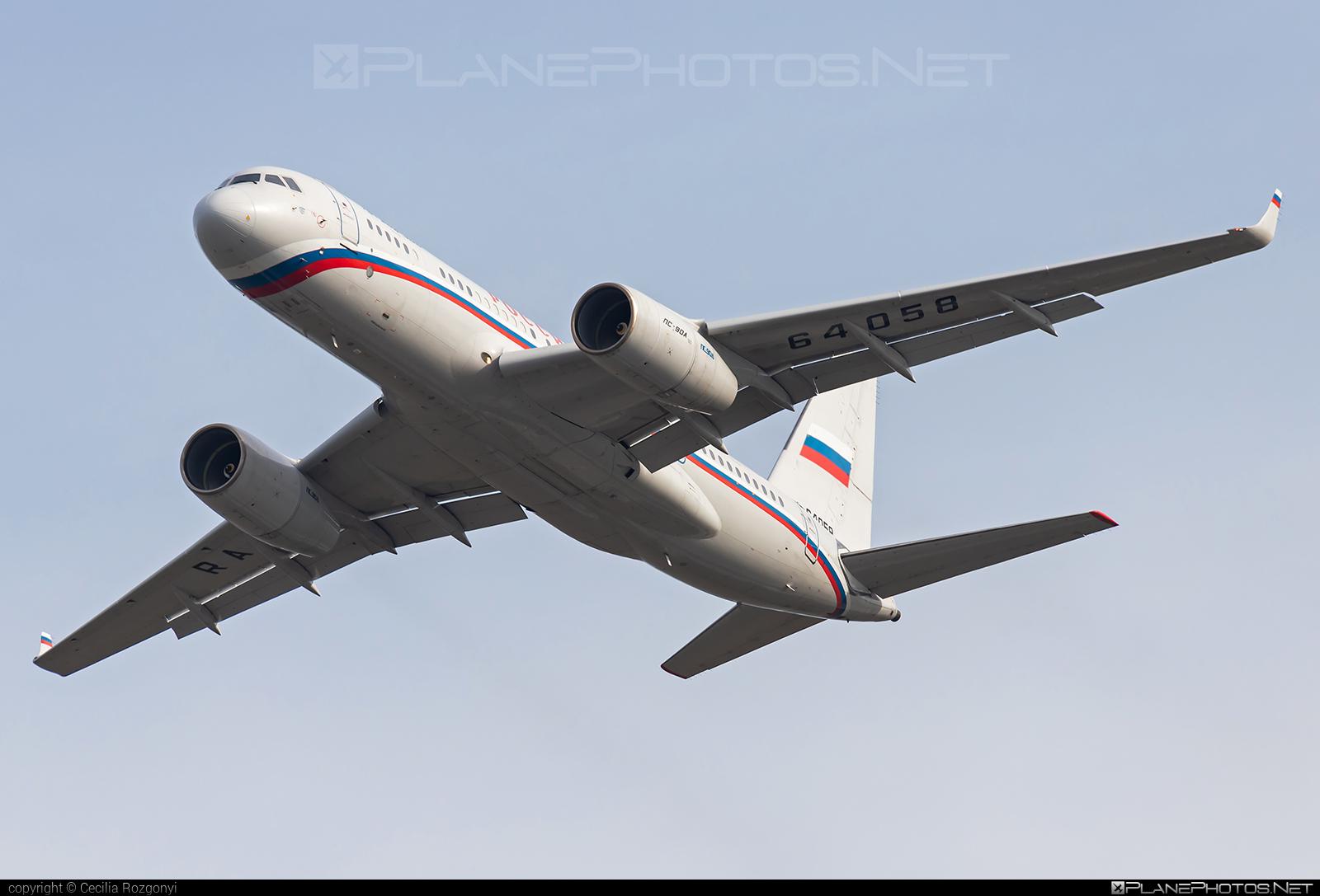 Tupolev Tu-204-300 - RA-64058 operated by Russia - Department of the Defense #tu204 #tu204300 #tupolev