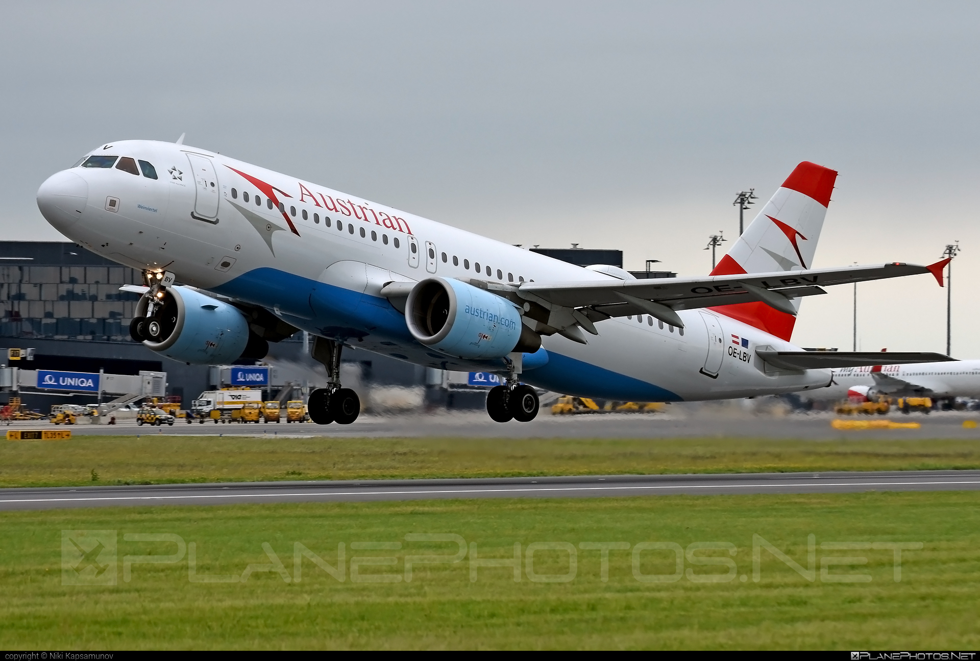 Airbus A320-214 - OE-LBV operated by Austrian Airlines #a320 #a320family #airbus #airbus320