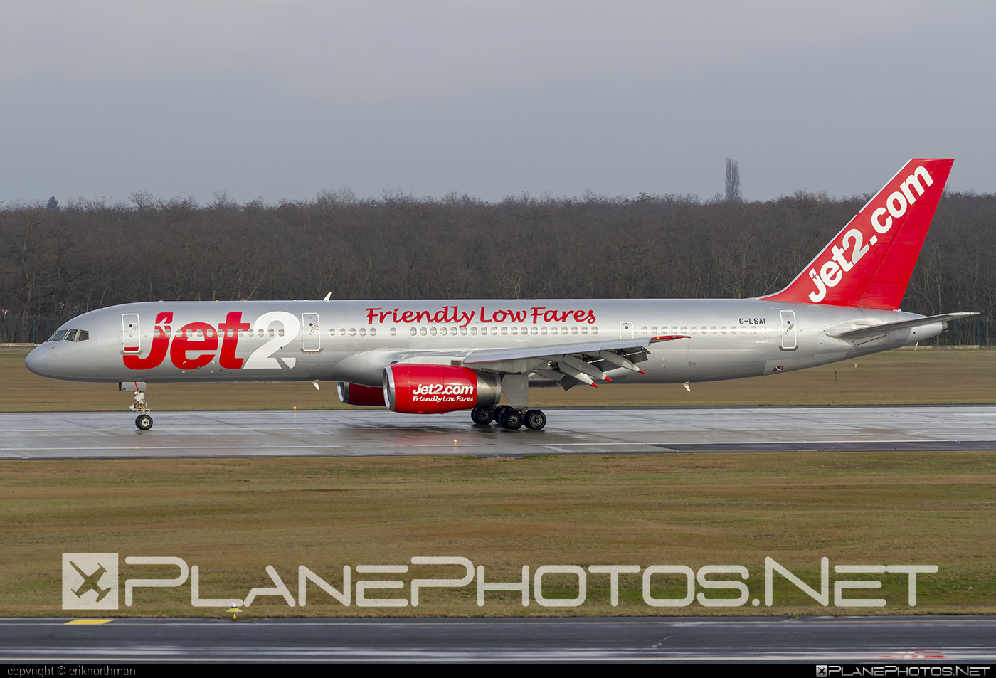 Boeing 757-200 - G-LSAI operated by Jet2 #b757 #boeing #boeing757 #jet2