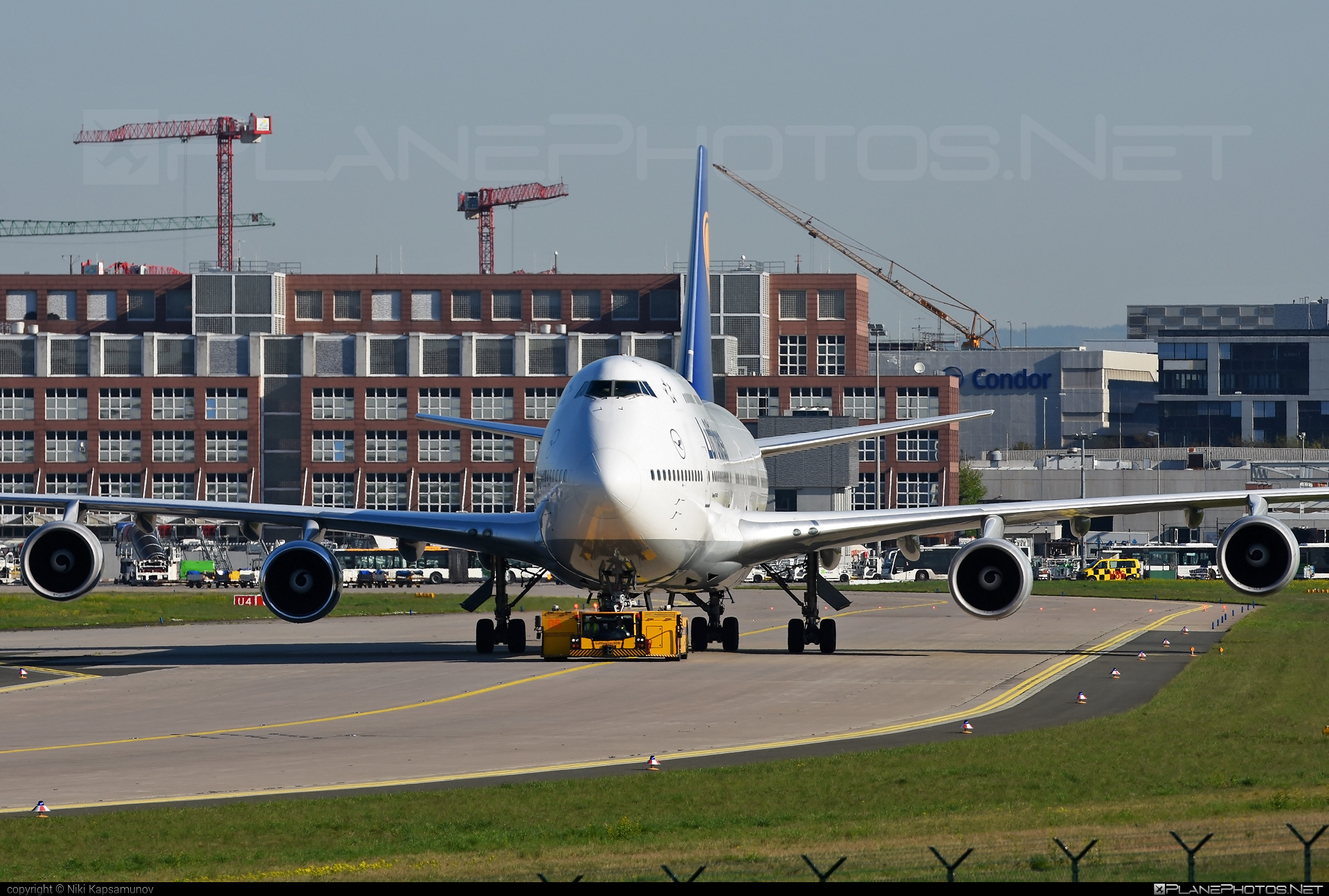 Boeing 747-400 - D-ABVP operated by Lufthansa #b747 #boeing #boeing747 #jumbo #lufthansa