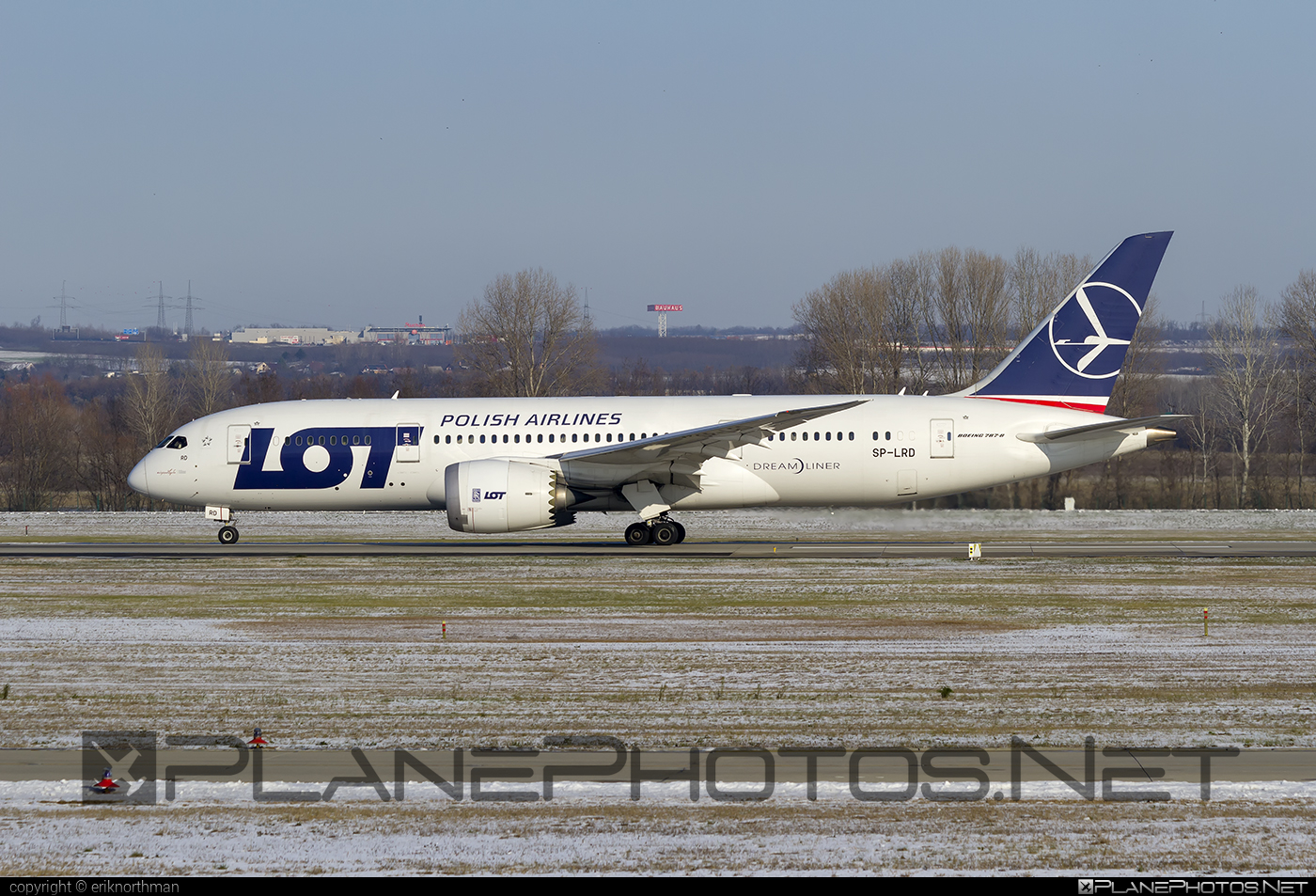 Boeing 787-8 Dreamliner - SP-LRD operated by LOT Polish Airlines #b787 #boeing #boeing787 #dreamliner #lot #lotpolishairlines