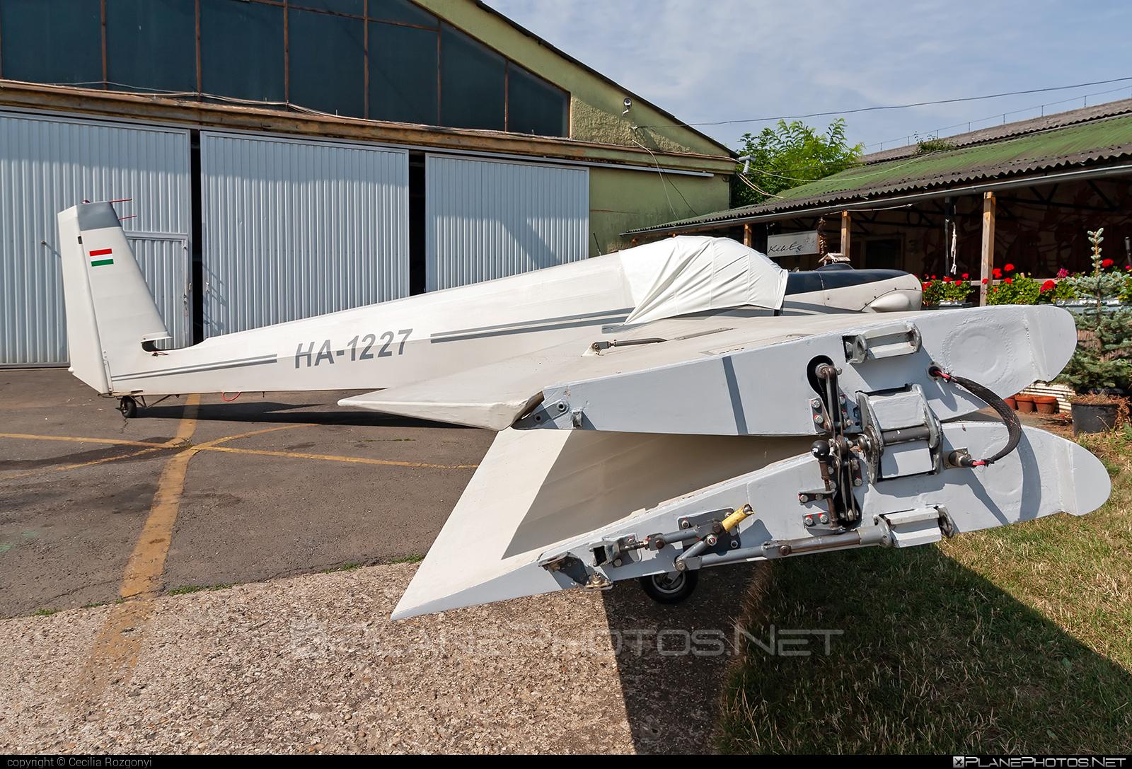 Scheibe SF-25E Super Falke - HA-1227 operated by Private operator #scheibe #scheibefalke #sf25 #sf25e #superfalke