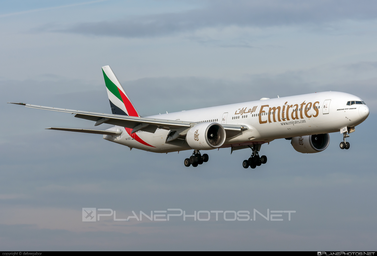 Boeing 777-300ER - A6-EGO operated by Emirates #b777 #b777er #boeing #boeing777 #emirates #tripleseven
