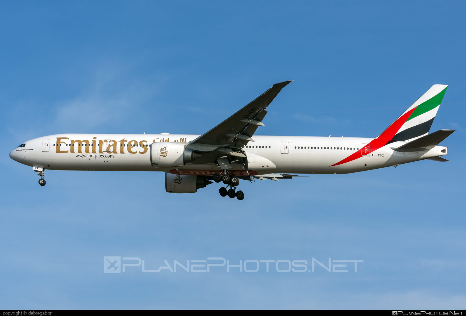 Boeing 777-300ER - A6-EGX operated by Emirates #b777 #b777er #boeing #boeing777 #emirates #tripleseven