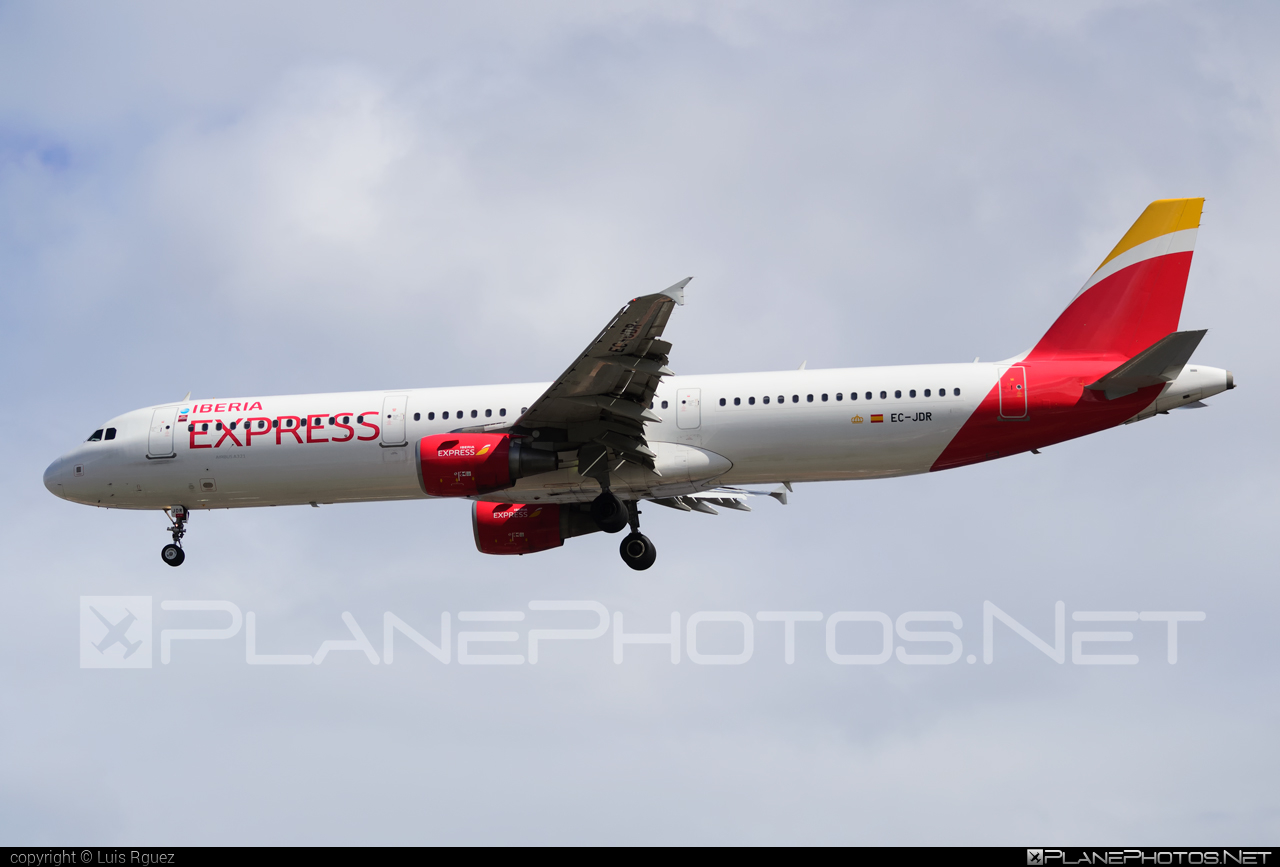 Airbus A321-213 - EC-JDR operated by Iberia Express #a320family #a321 #airbus #airbus321 #iberia #iberiaexpress